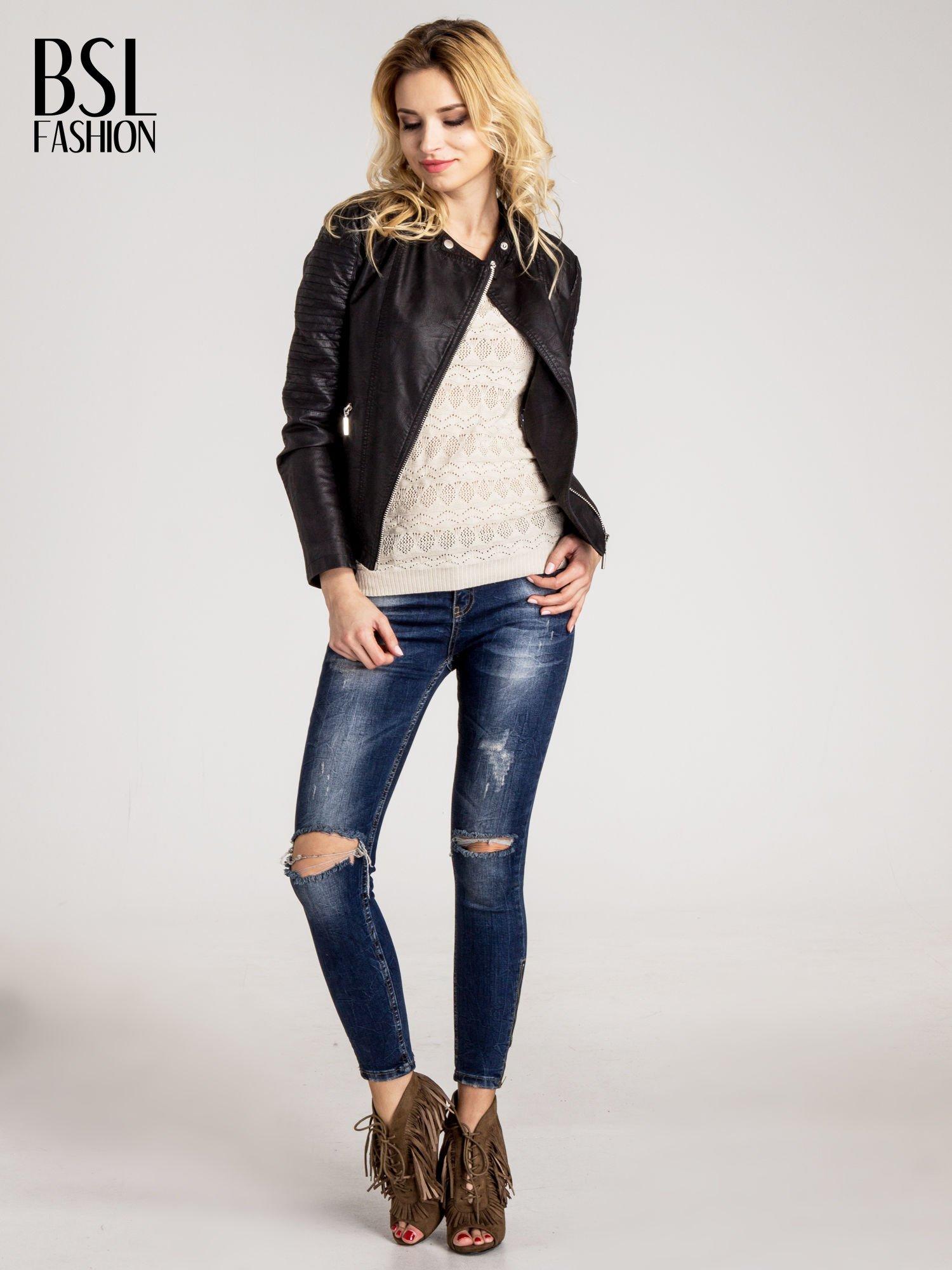 Beżowy ażurowy sweterek z rękawami 3/4                                  zdj.                                  2