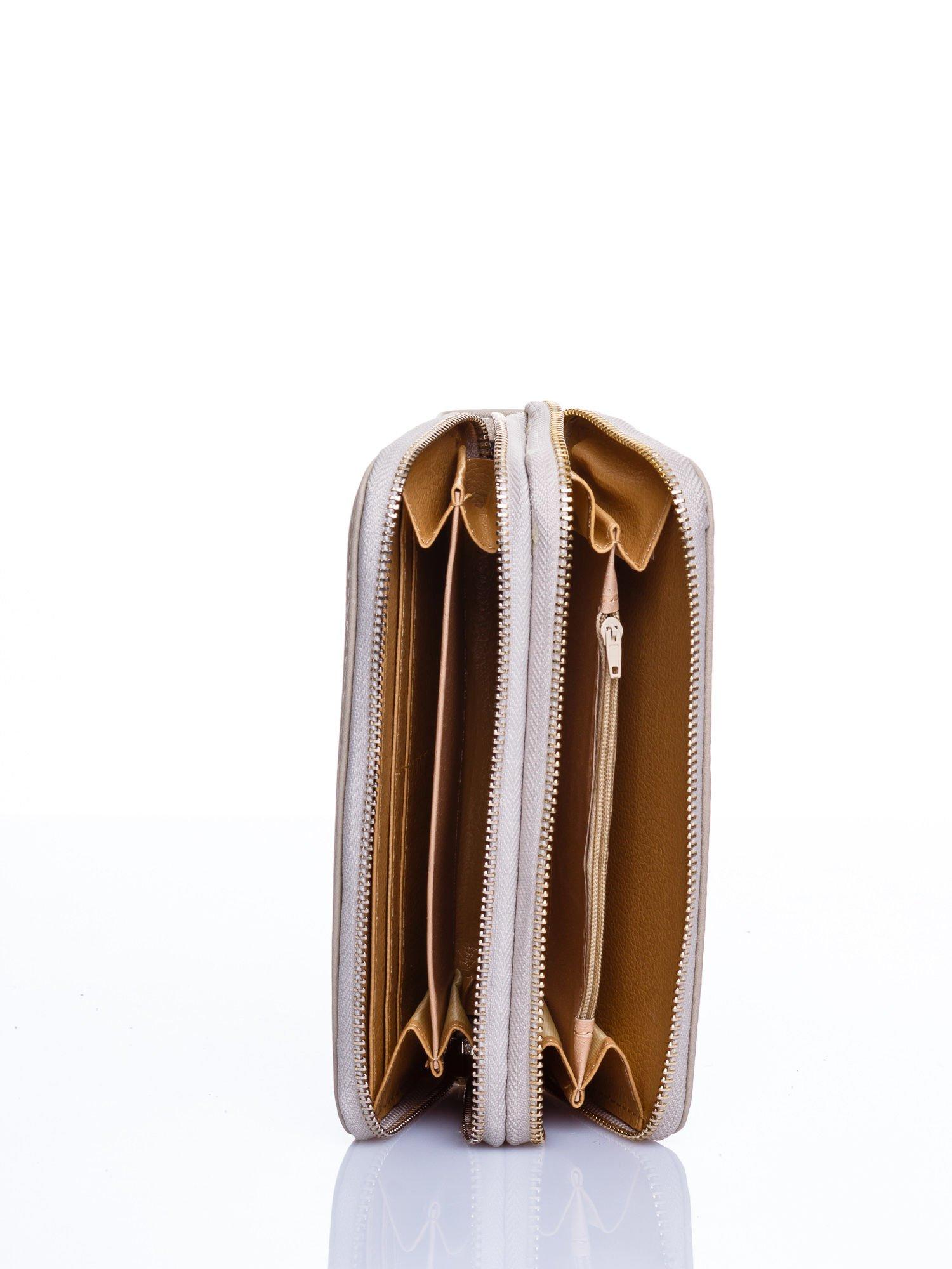 Beżowy matowy portfel z rączką                                  zdj.                                  3