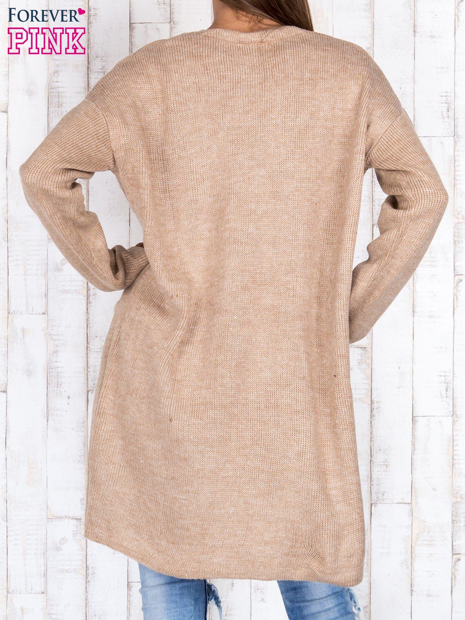 Beżowy otwarty sweter z kieszeniami z przodu                                  zdj.                                  2