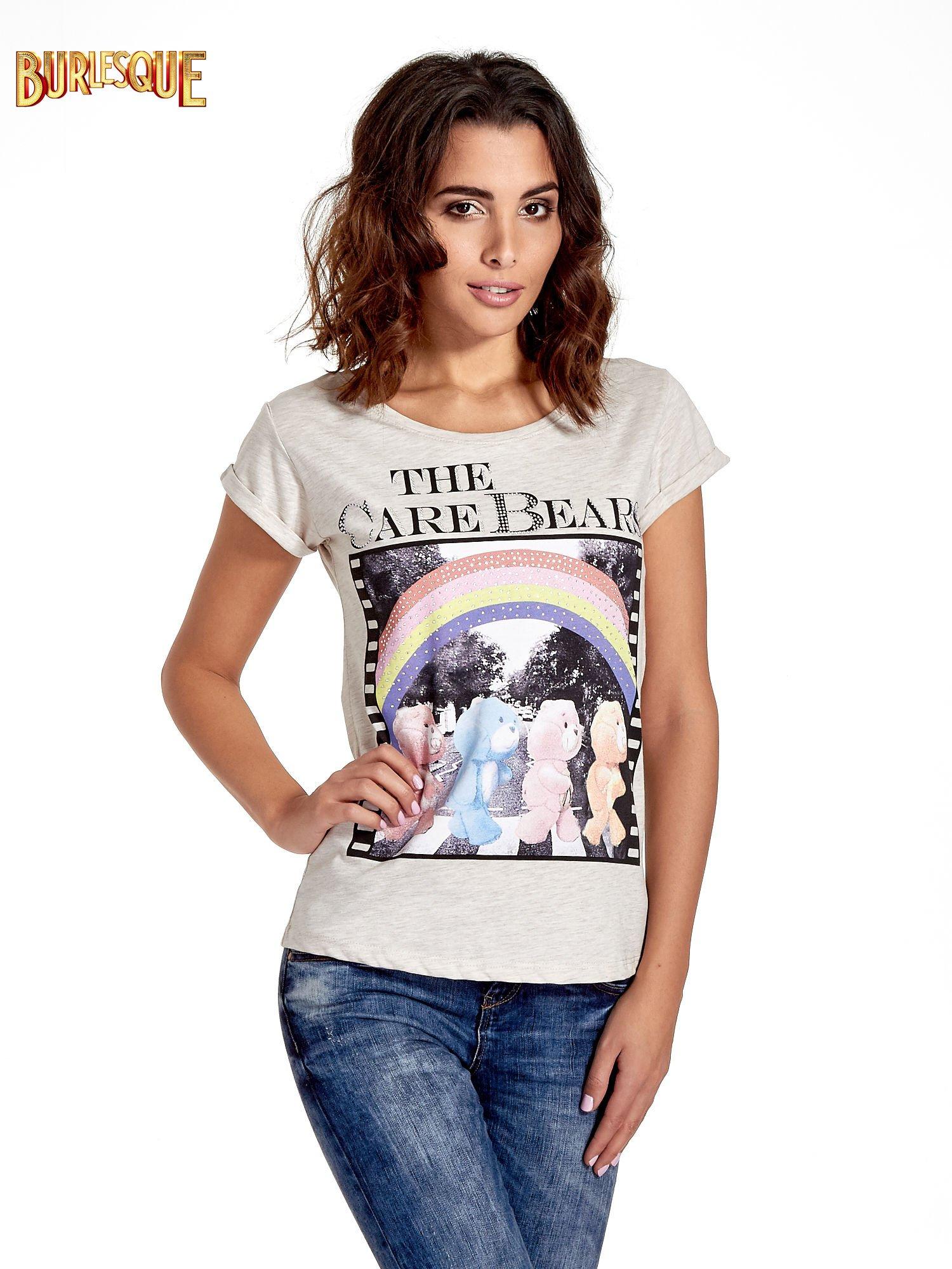 Beżowy t-shirt z nadrukiem troskliwych misiów                                  zdj.                                  1