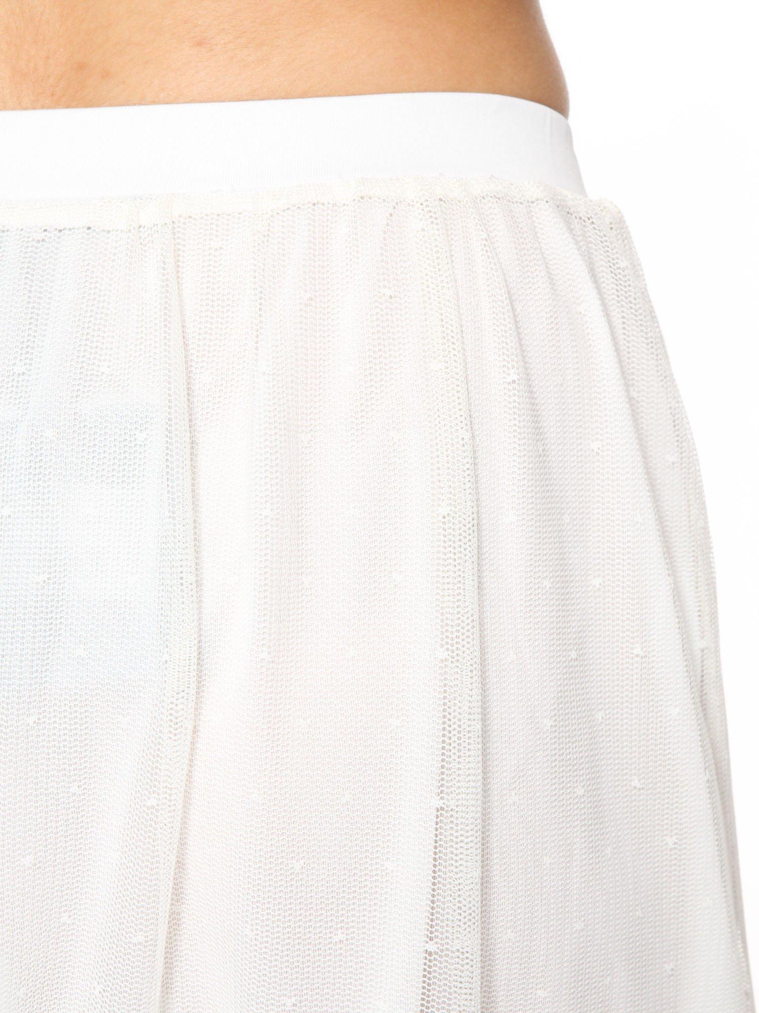 Biała ażurowa spódnica z zielonym pasem                                  zdj.                                  5