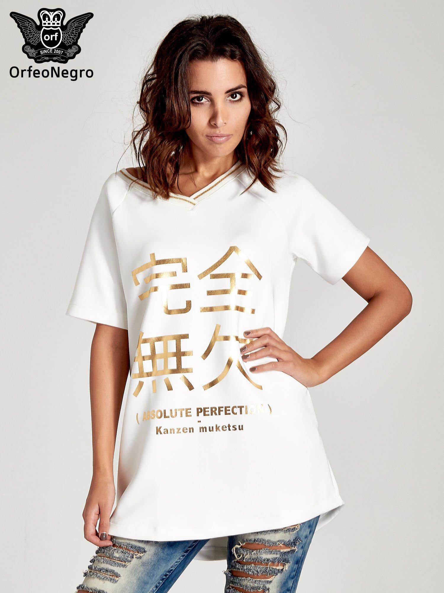 Biała bluza glamour ze złotymi znakami japońskimi                                  zdj.                                  1