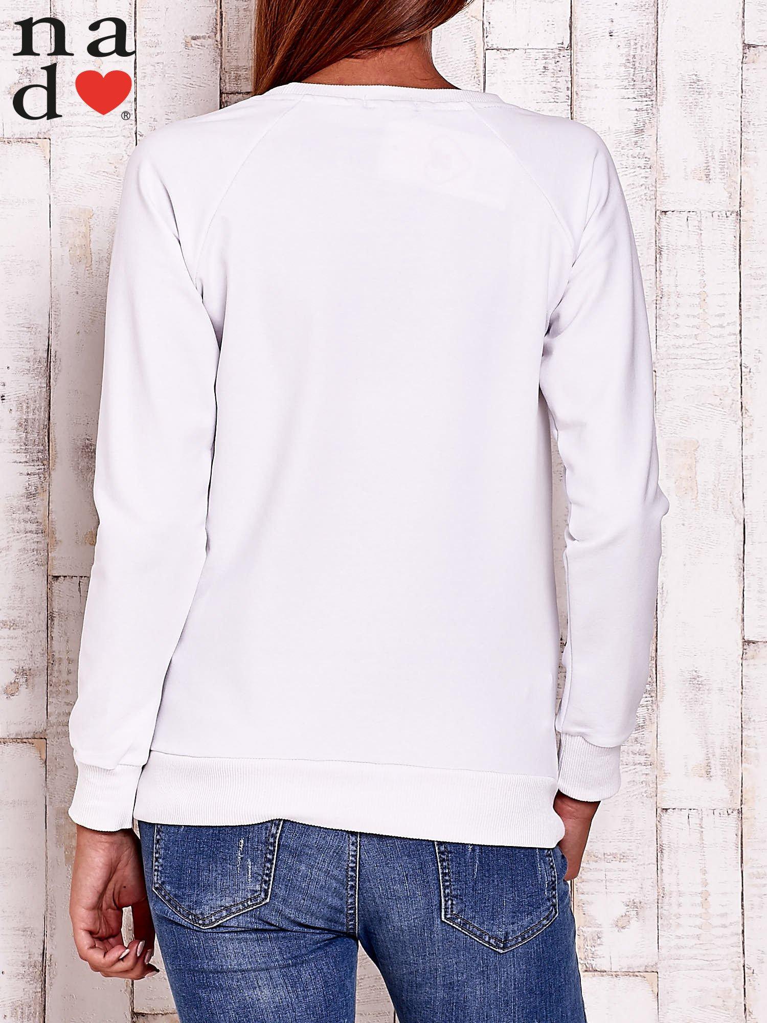 Biała bluza z napisem AWESOME                                  zdj.                                  4