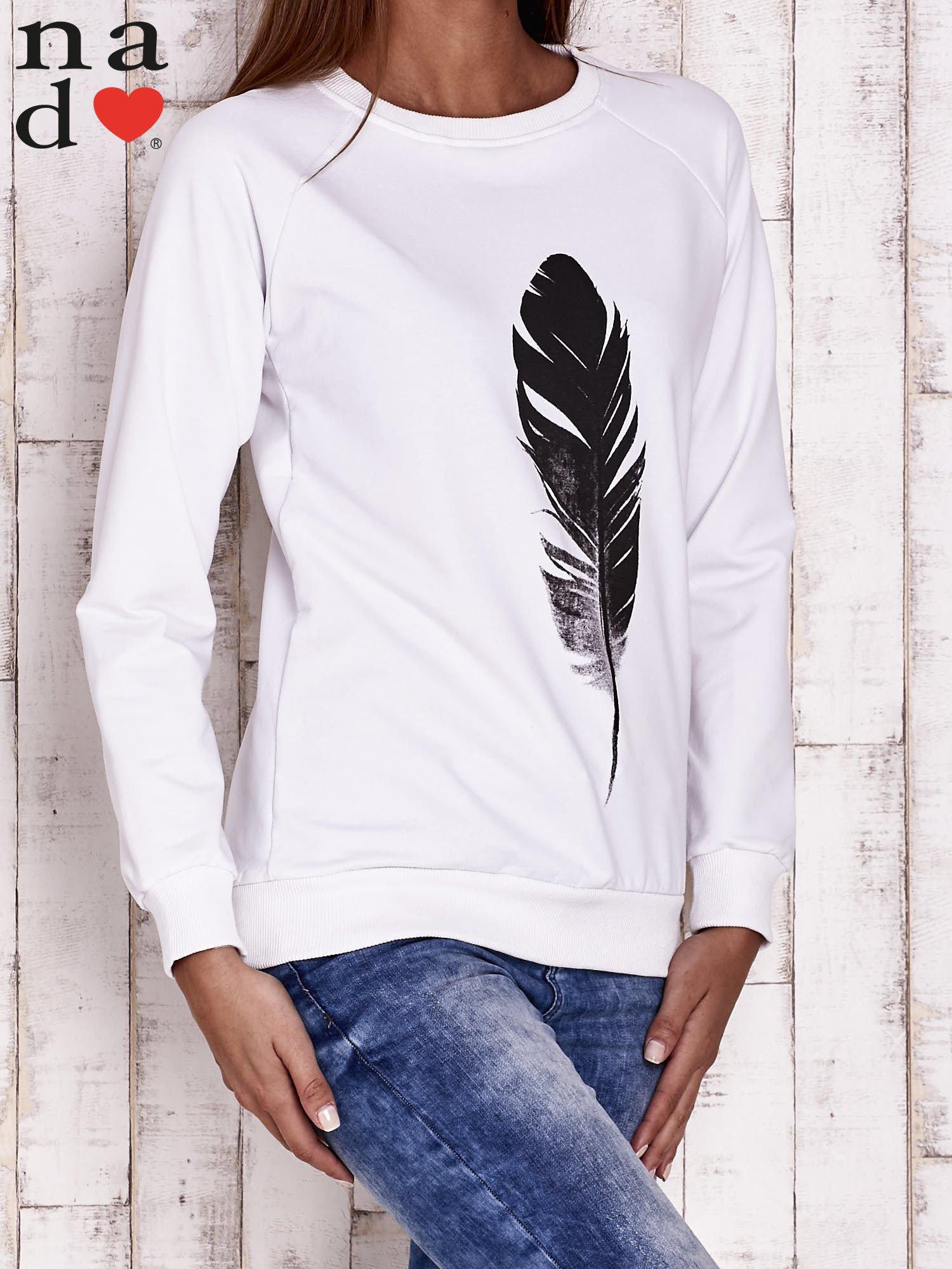 Biała bluza z piórkiem                                  zdj.                                  3