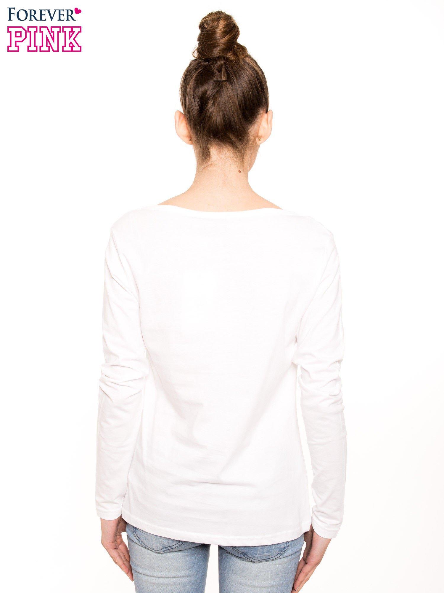 Biała bluzka basic z dekoltem w serek                                  zdj.                                  2