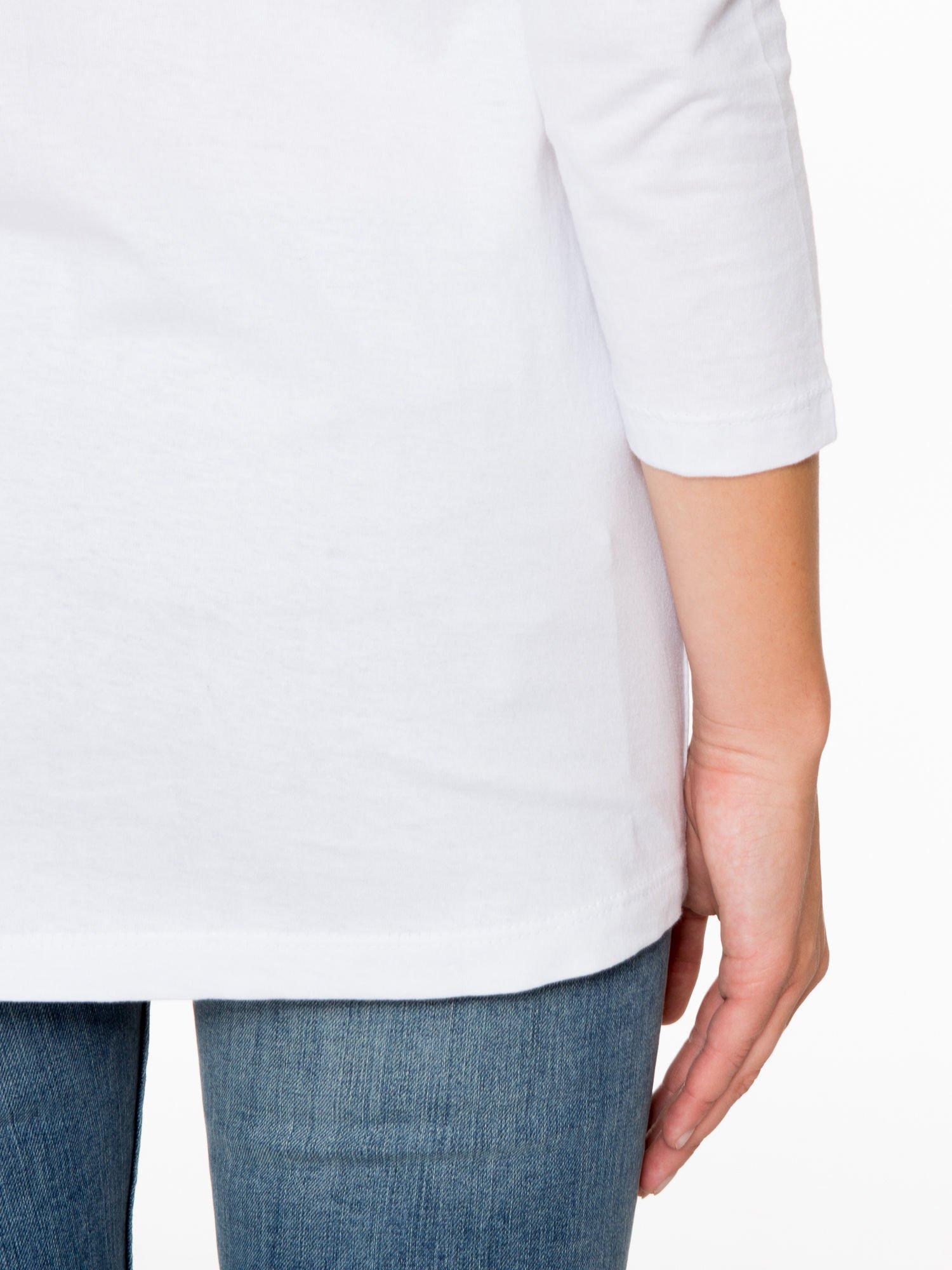 Biała bluzka z motywem kwiatowym i napisem ADORABLE                                  zdj.                                  10