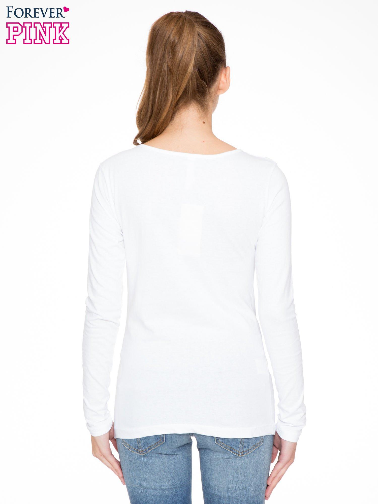 Biała bluzka z portretem kobiety i napisem GOOD GIRLS...                                  zdj.                                  4