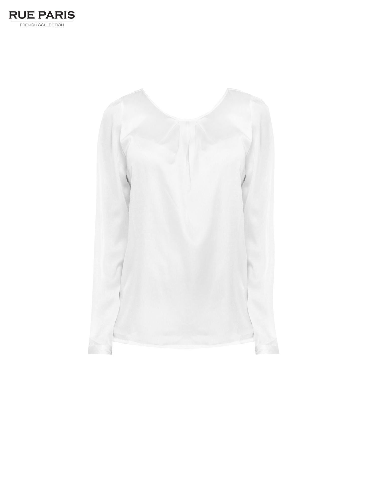Biała elegancka atłasowa koszula z zakładkami przy dekolcie                                  zdj.                                  5