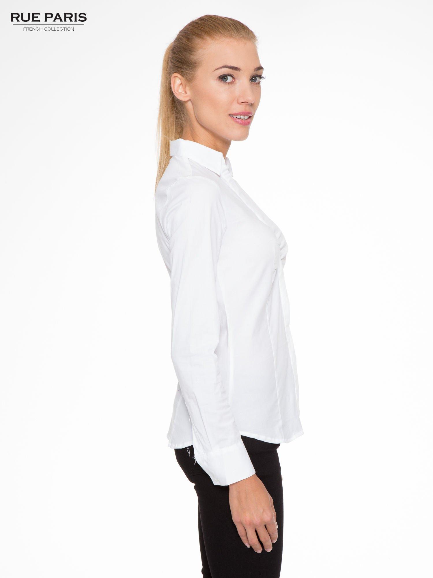 Biała elegancka koszula z marszczeniem przy dekolcie                                  zdj.                                  3