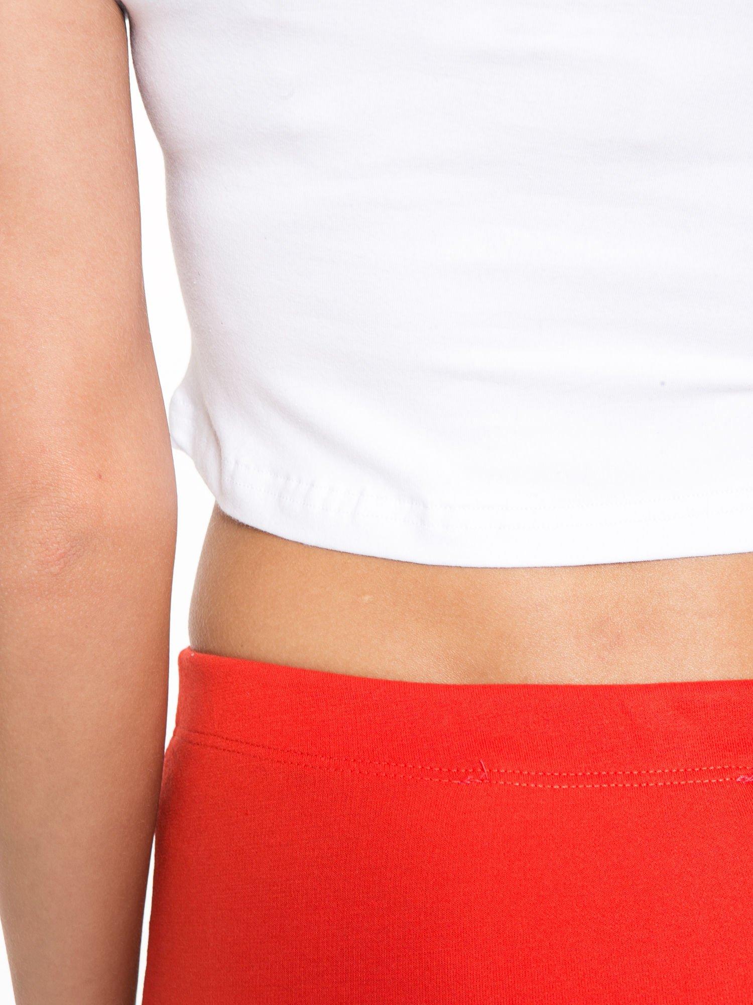 Biała gładka bluzka typu crop top z głębokim dekoltem                                  zdj.                                  10