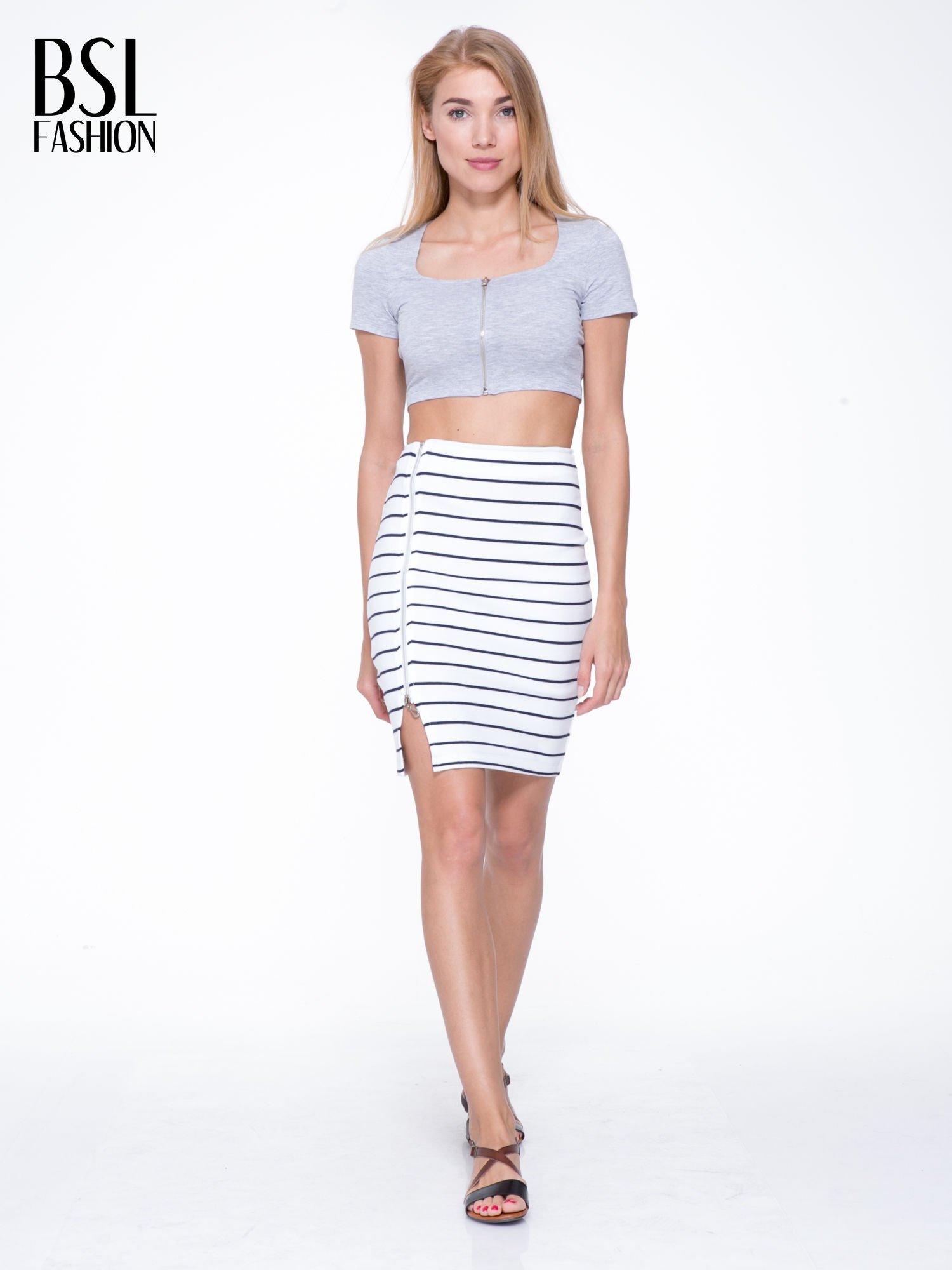 Biała mini spódnica w paski z suwakiem z boku                                  zdj.                                  2