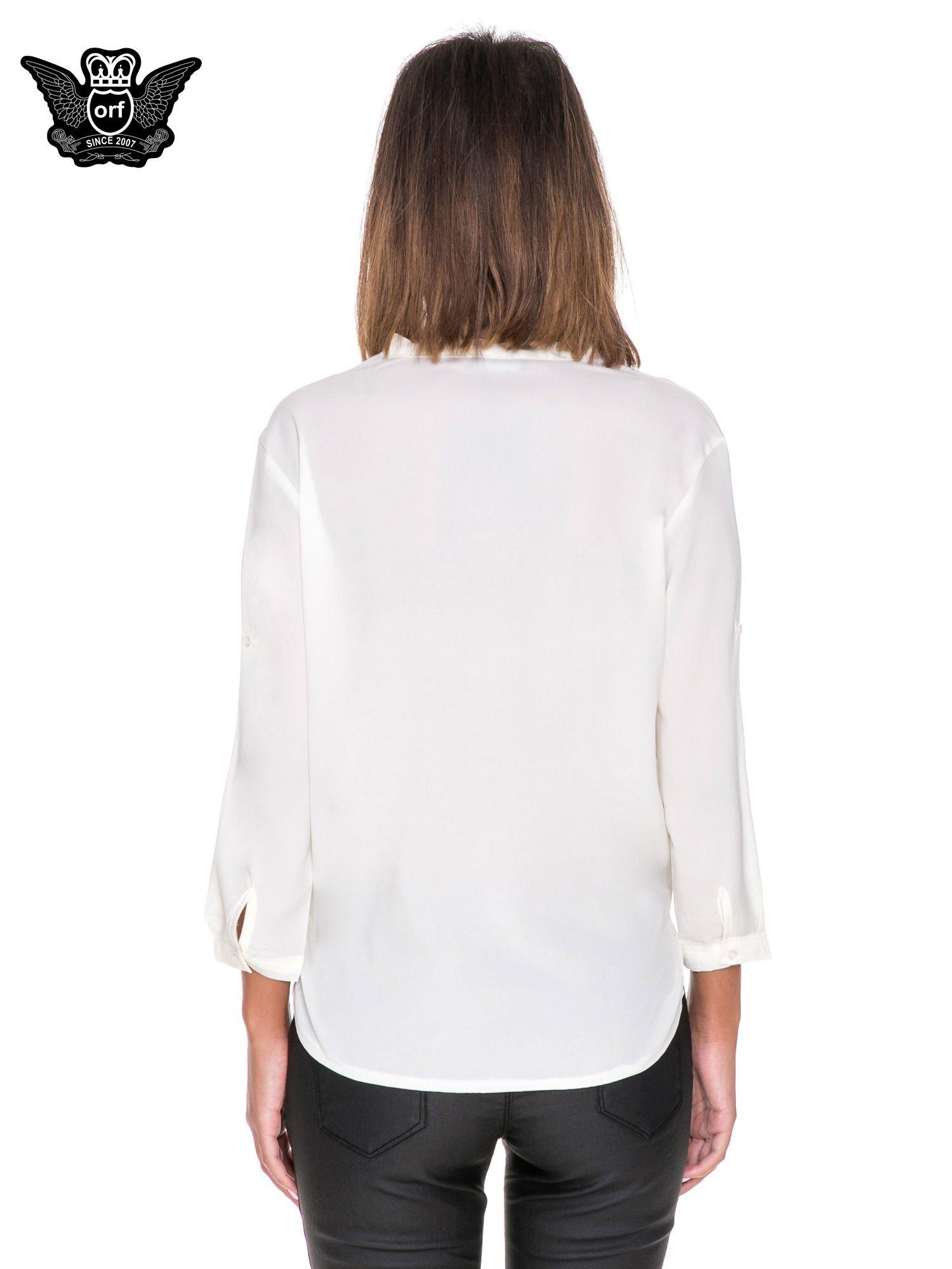 Biała minimalistyczna koszula z trójkątnym dekoltem                                  zdj.                                  4