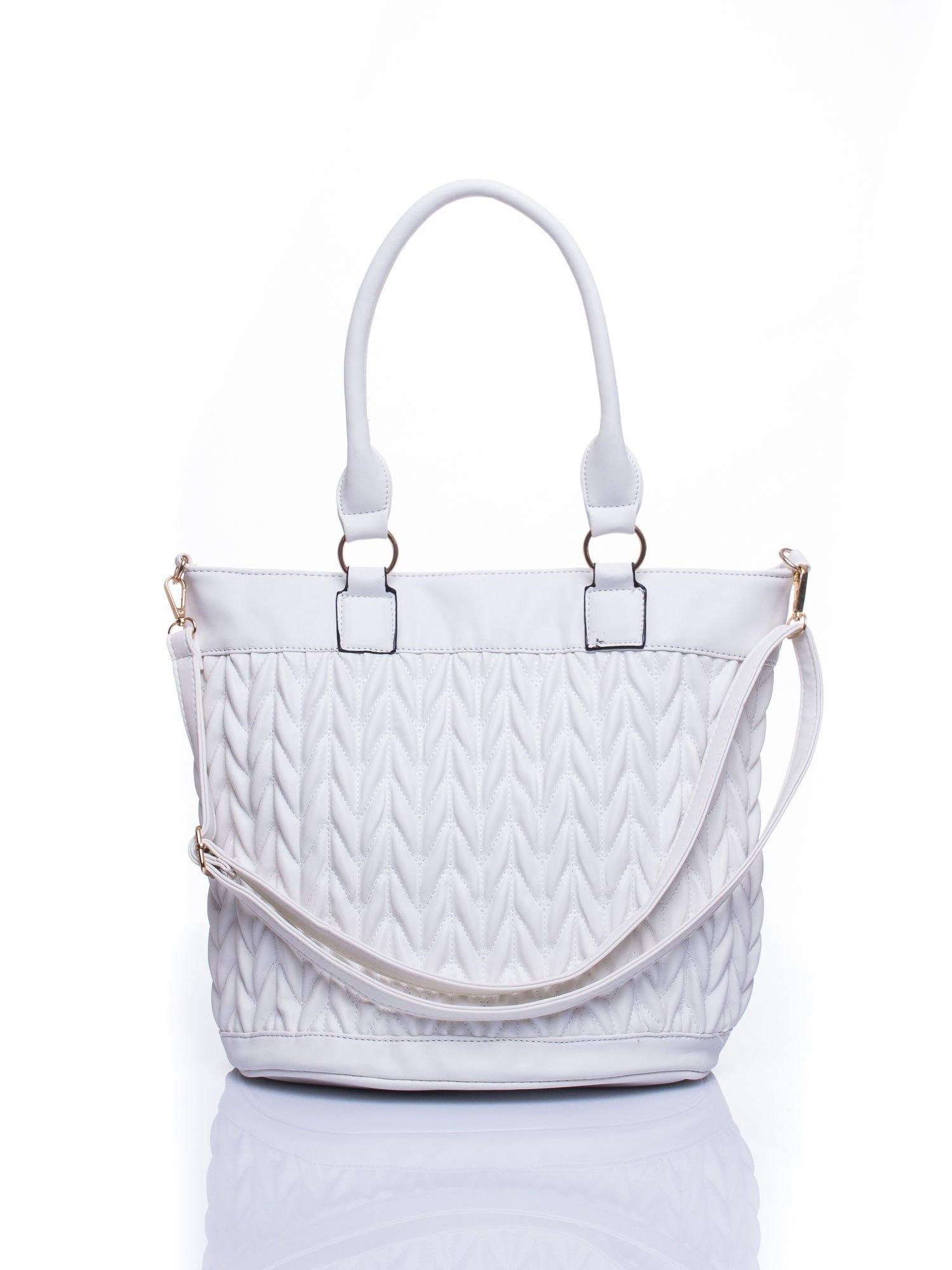 Biała pikowana torba na ramię                                  zdj.                                  1