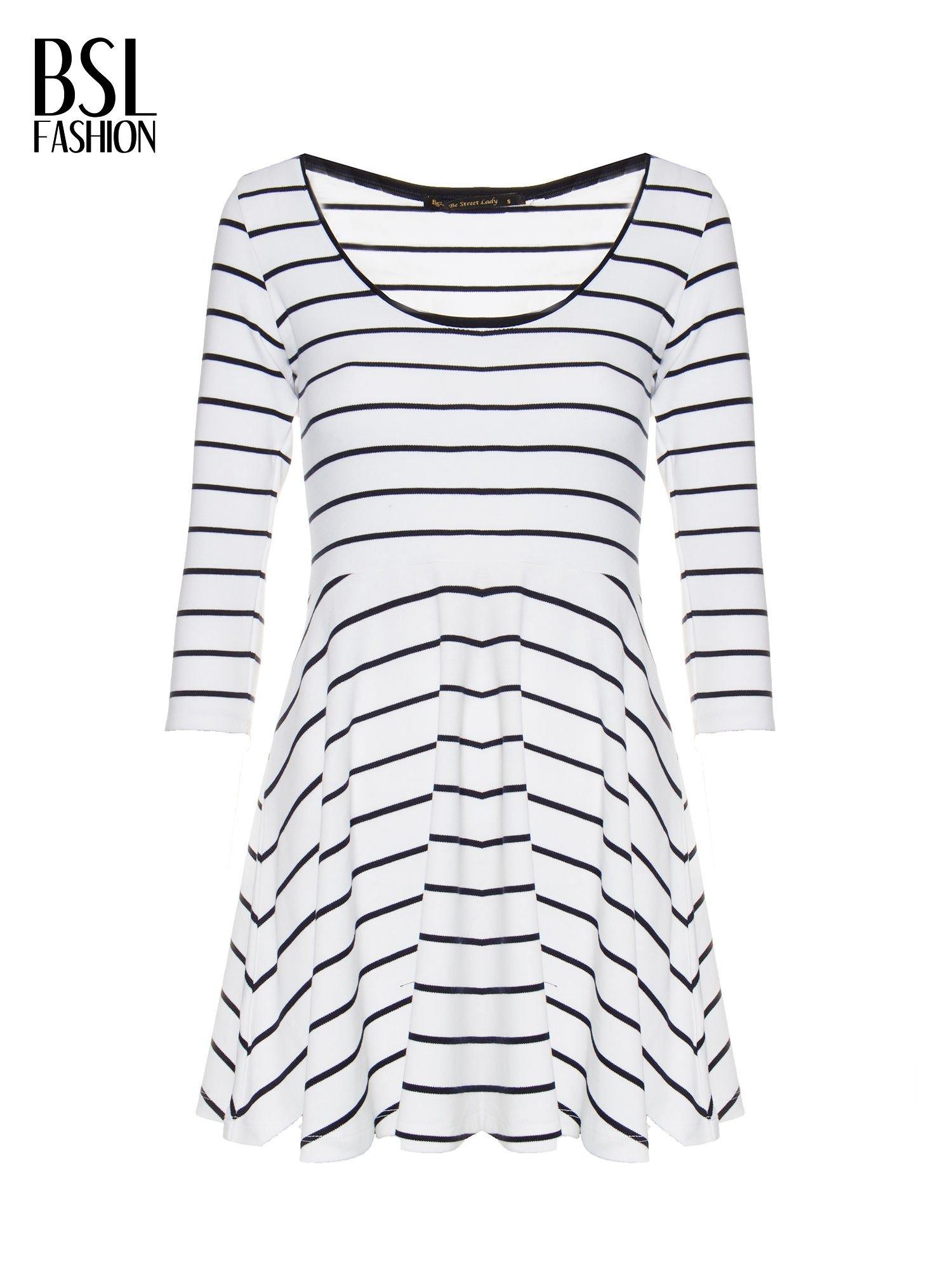 Biała rozkloszowana sukienka w paski                                  zdj.                                  2
