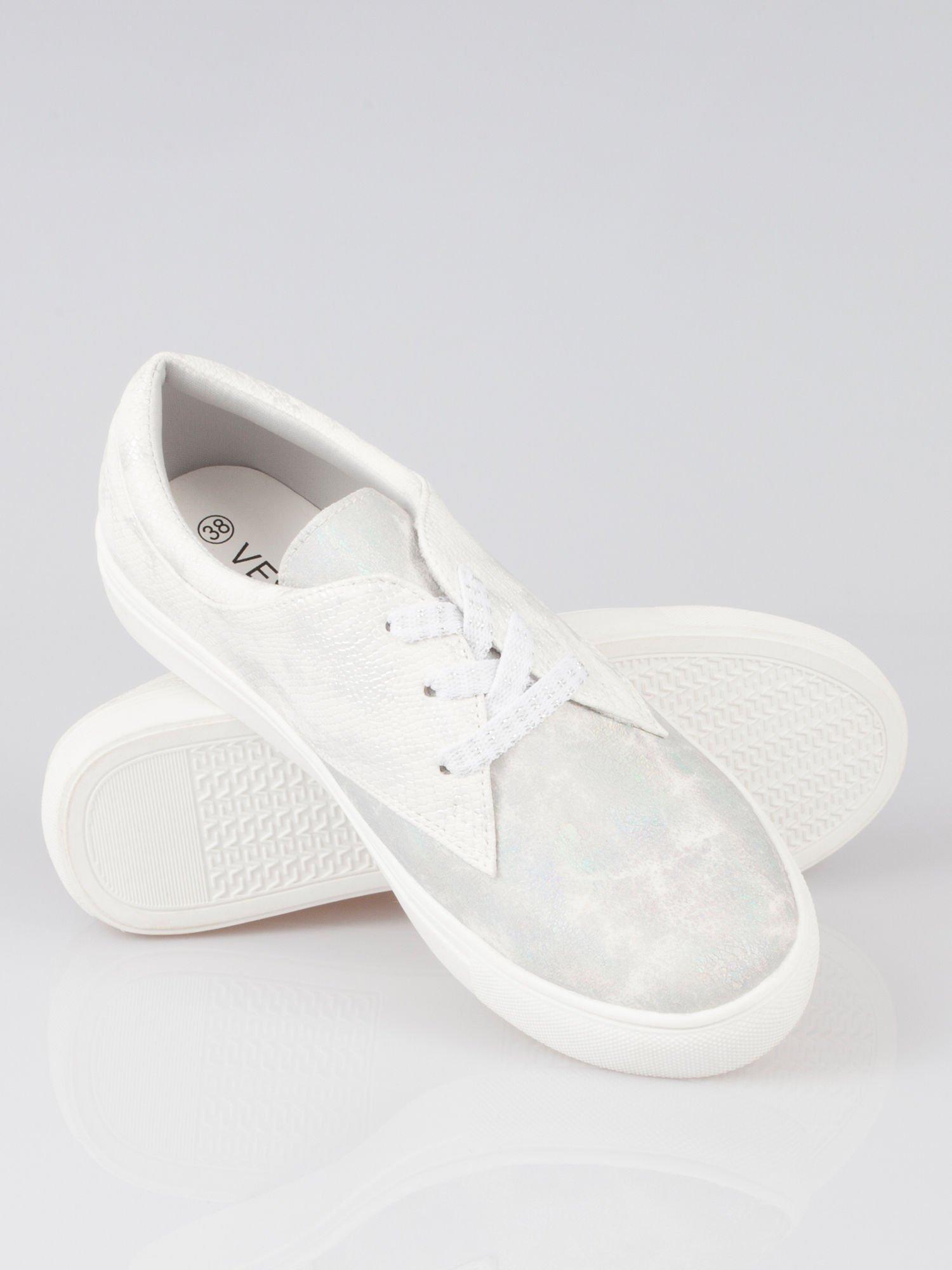 Białe buty sportowe z szarym wykończeniem Millie                                  zdj.                                  4