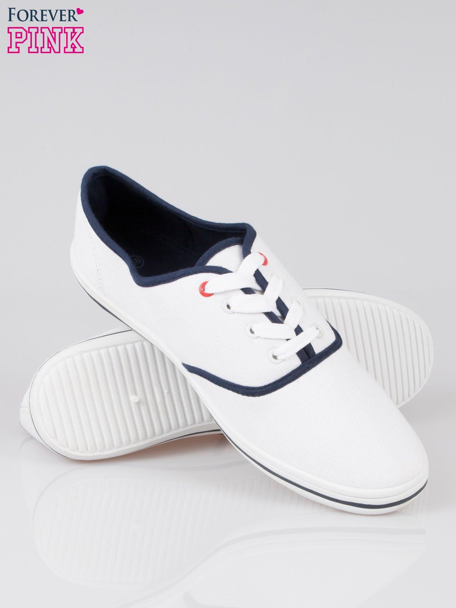 Białe damskie tenisówki przed kostkę                                  zdj.                                  4