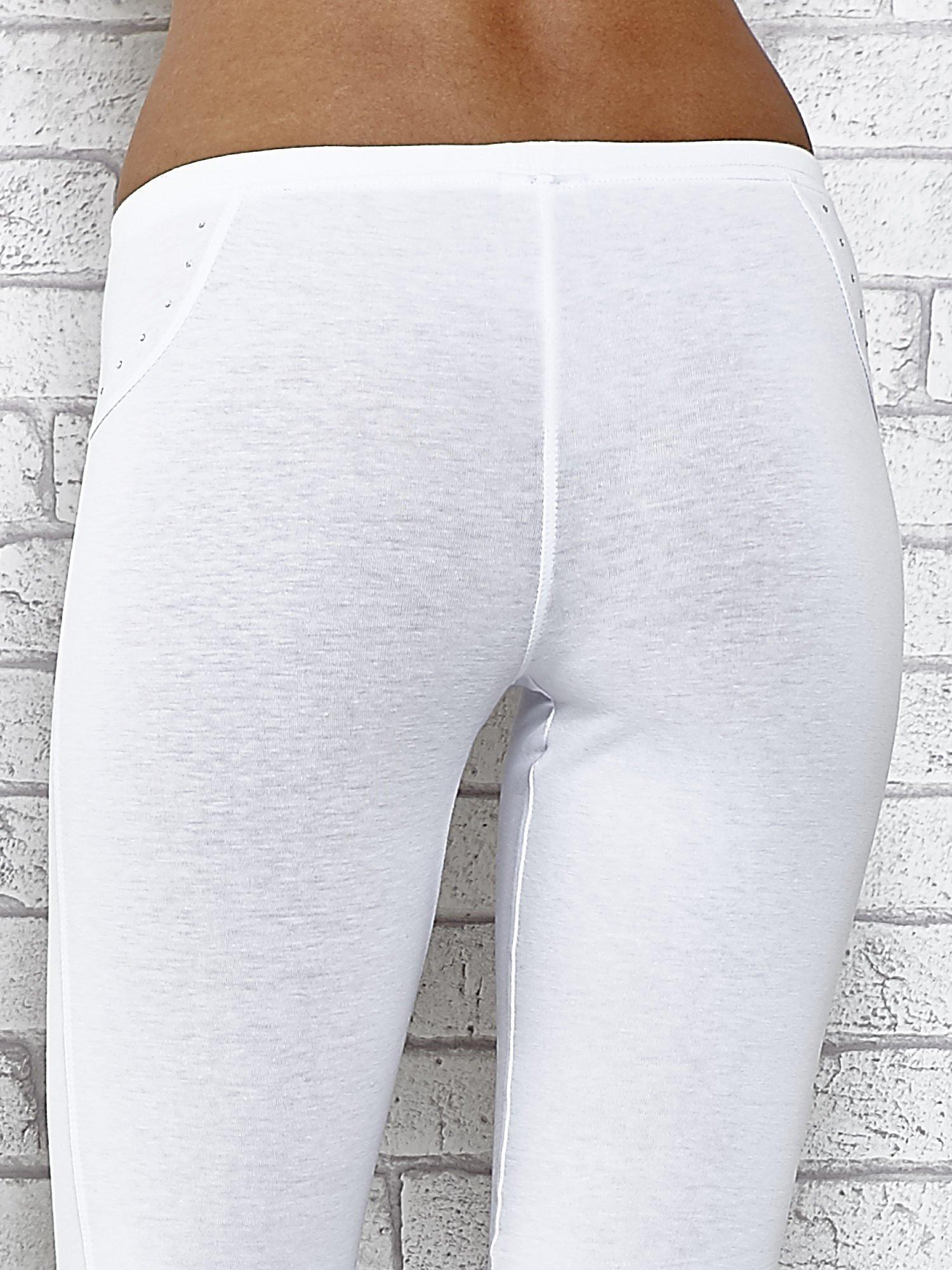 Białe legginsy sportowe 7/8 z wiązaniem                                  zdj.                                  7