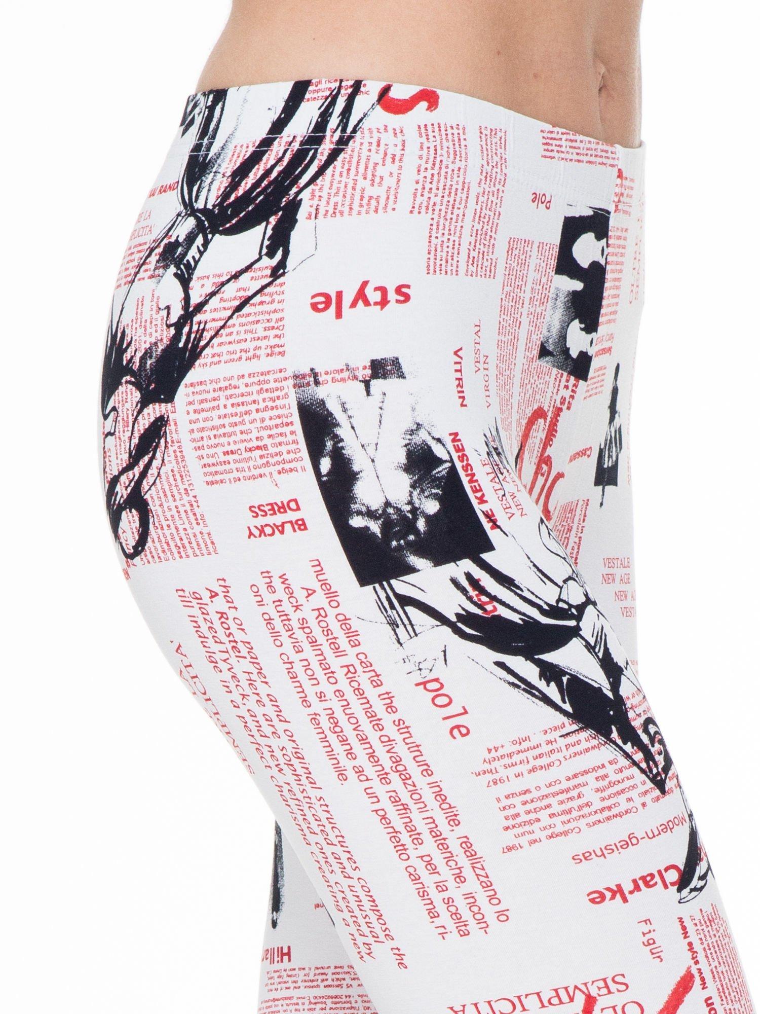 Białe legginsy z nadrukiem newspaper print                                  zdj.                                  5