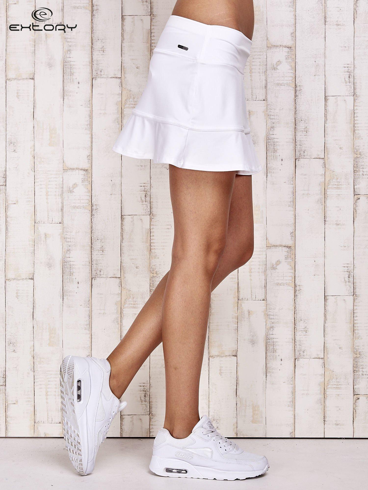 Białe spodenki spódniczka tenisowa z falbanką                                  zdj.                                  3