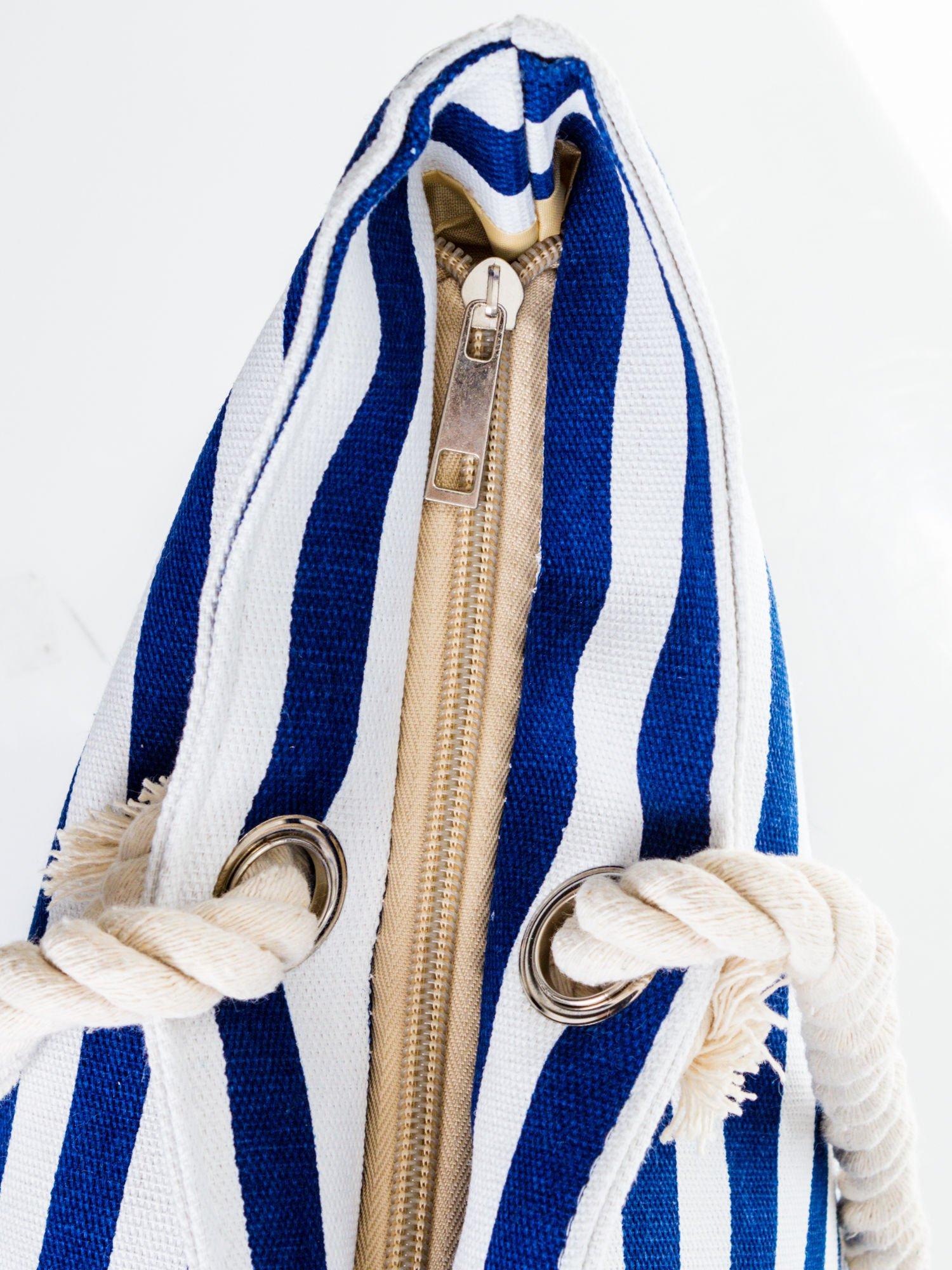 Biało-granatowa torba plażowa w paski                                  zdj.                                  7