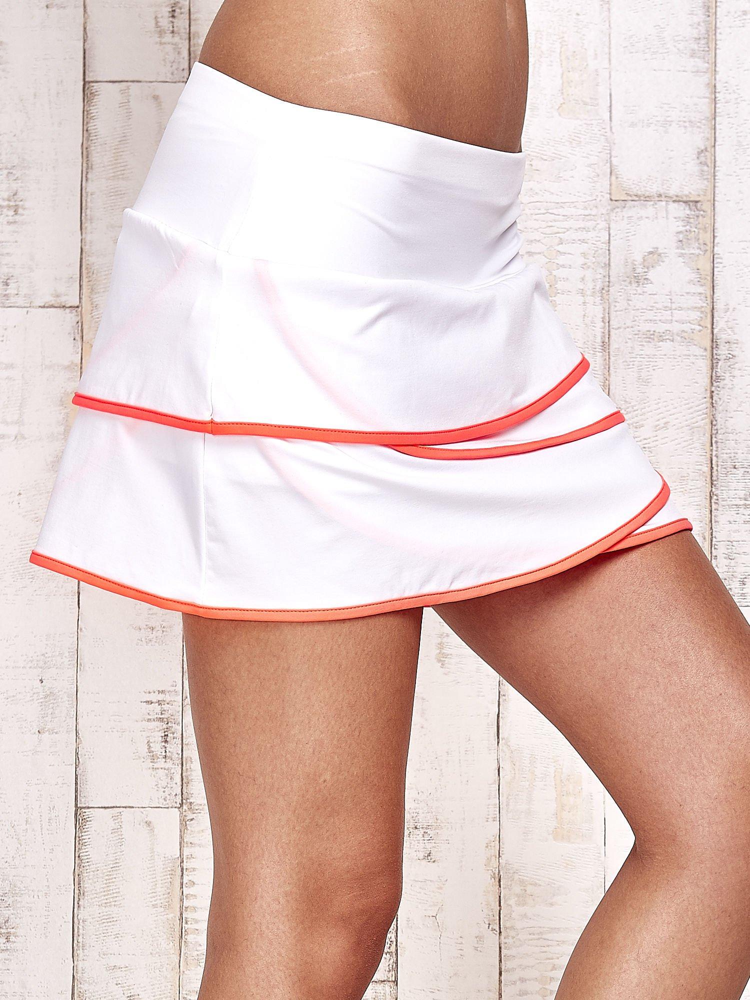 Biało-koralowe spodenki spódniczka tenisowa z falbankami                                  zdj.                                  5