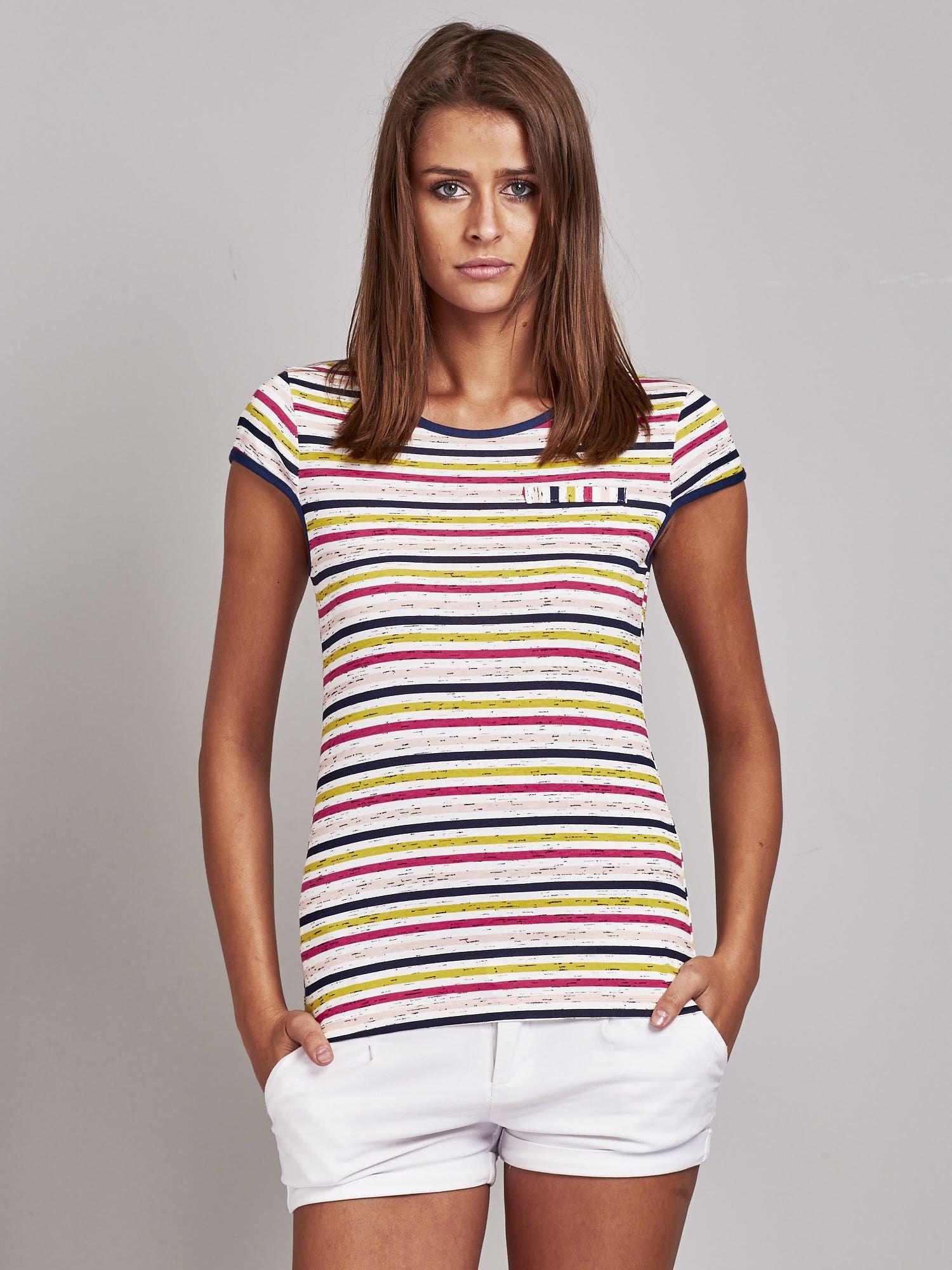 2ef77fbdef599 Biało-różowy t-shirt w kolorowe paski - T-shirt z nadrukiem - sklep  eButik.pl