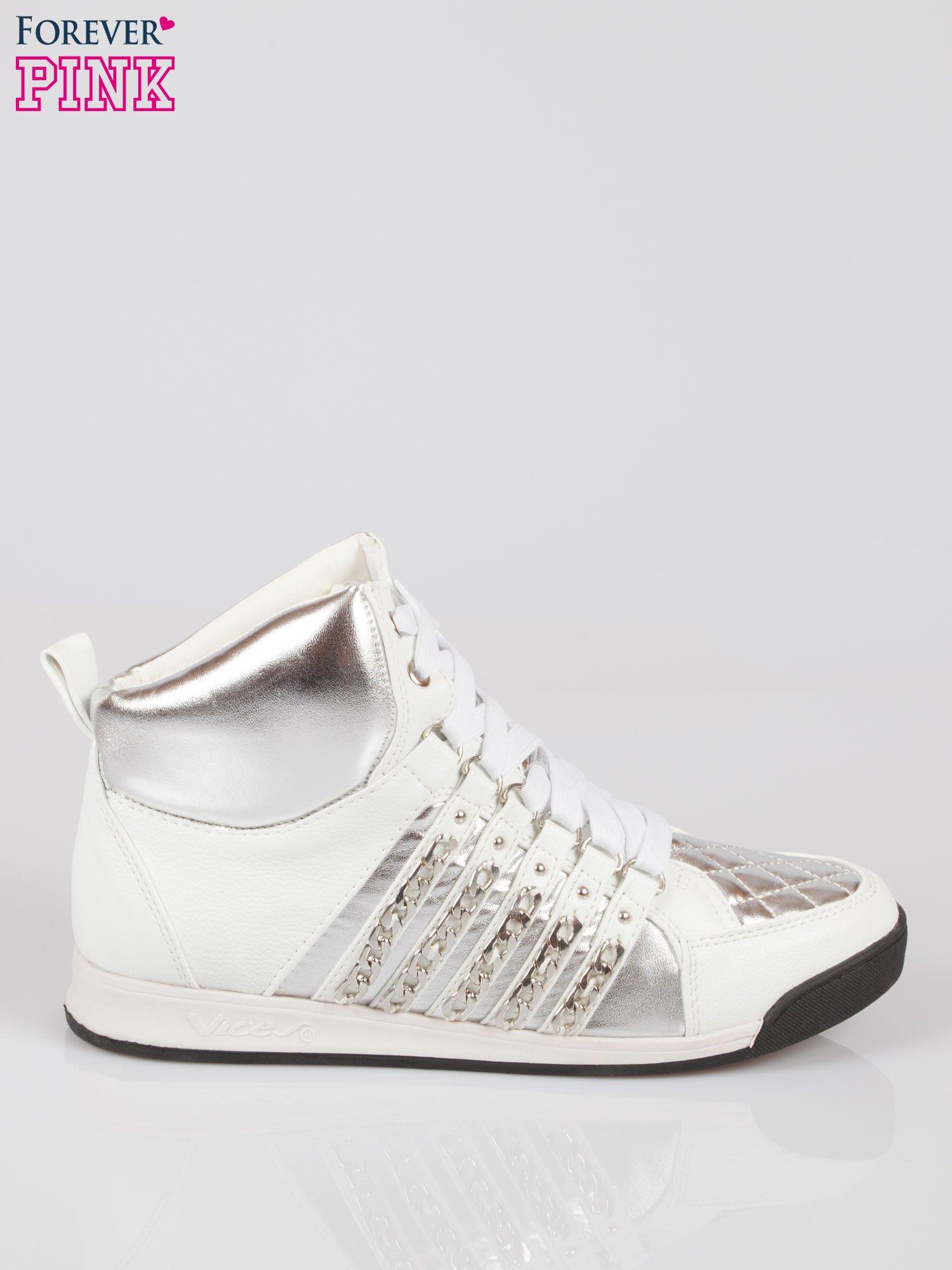 Biało-srebrne sneakersy z łańcuszkami                                  zdj.                                  1