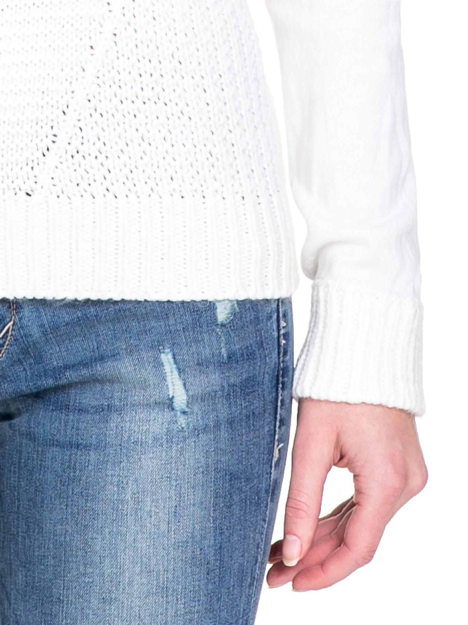 Biały ciepły sweter z golfowym kołnierzem                                  zdj.                                  9
