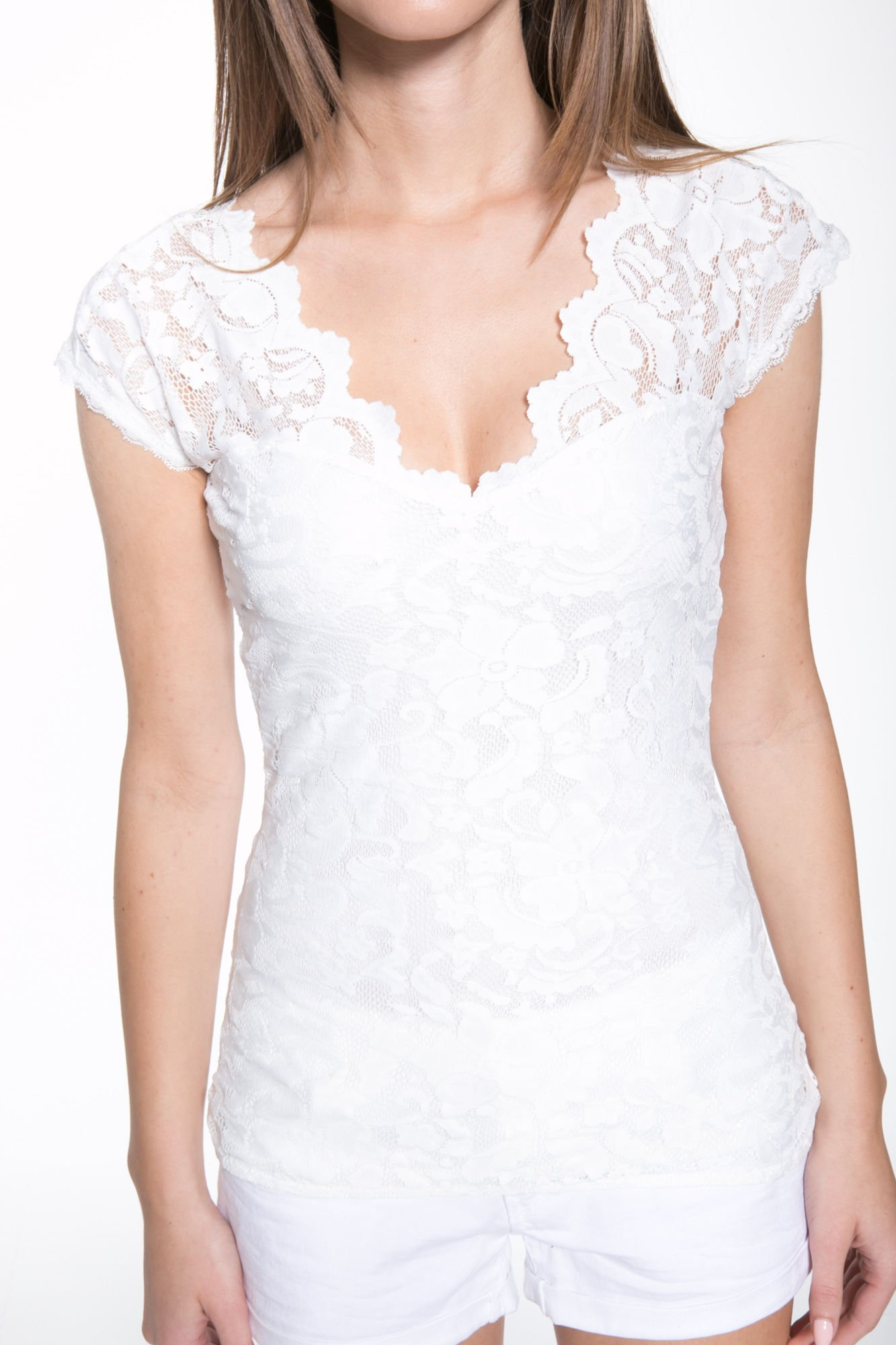 Biały koronkowy t-shirt z głębokim dekoltem                                  zdj.                                  7