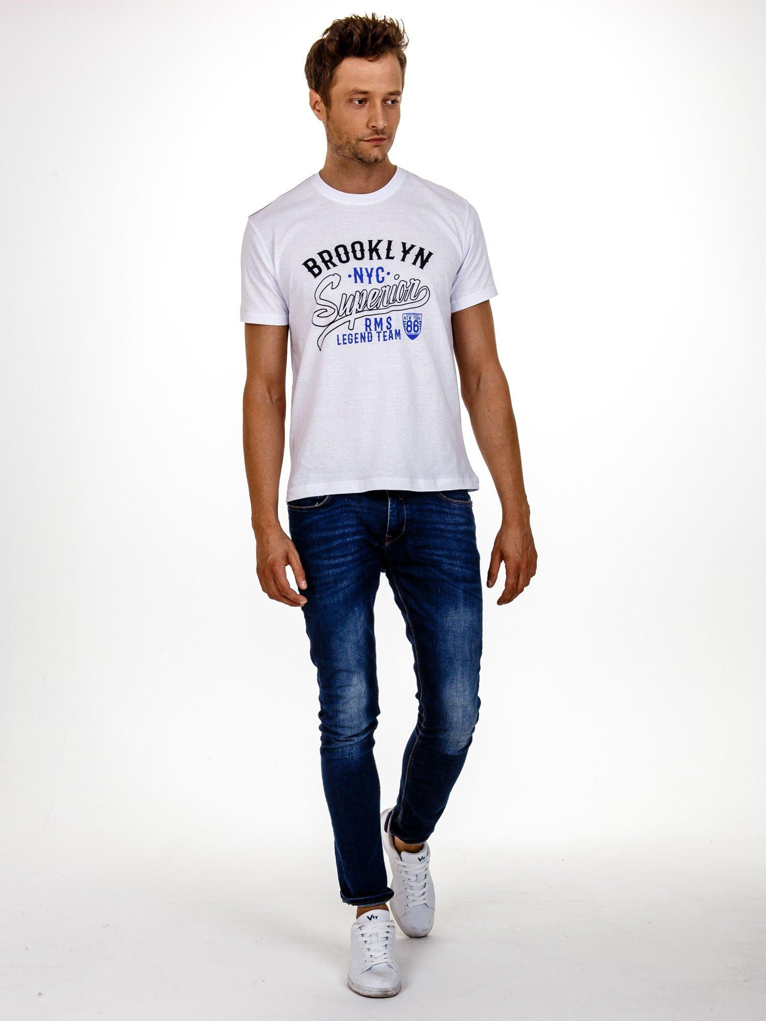 Biały t-shirt męski z napisem BROOKLYN NYC                                  zdj.                                  3