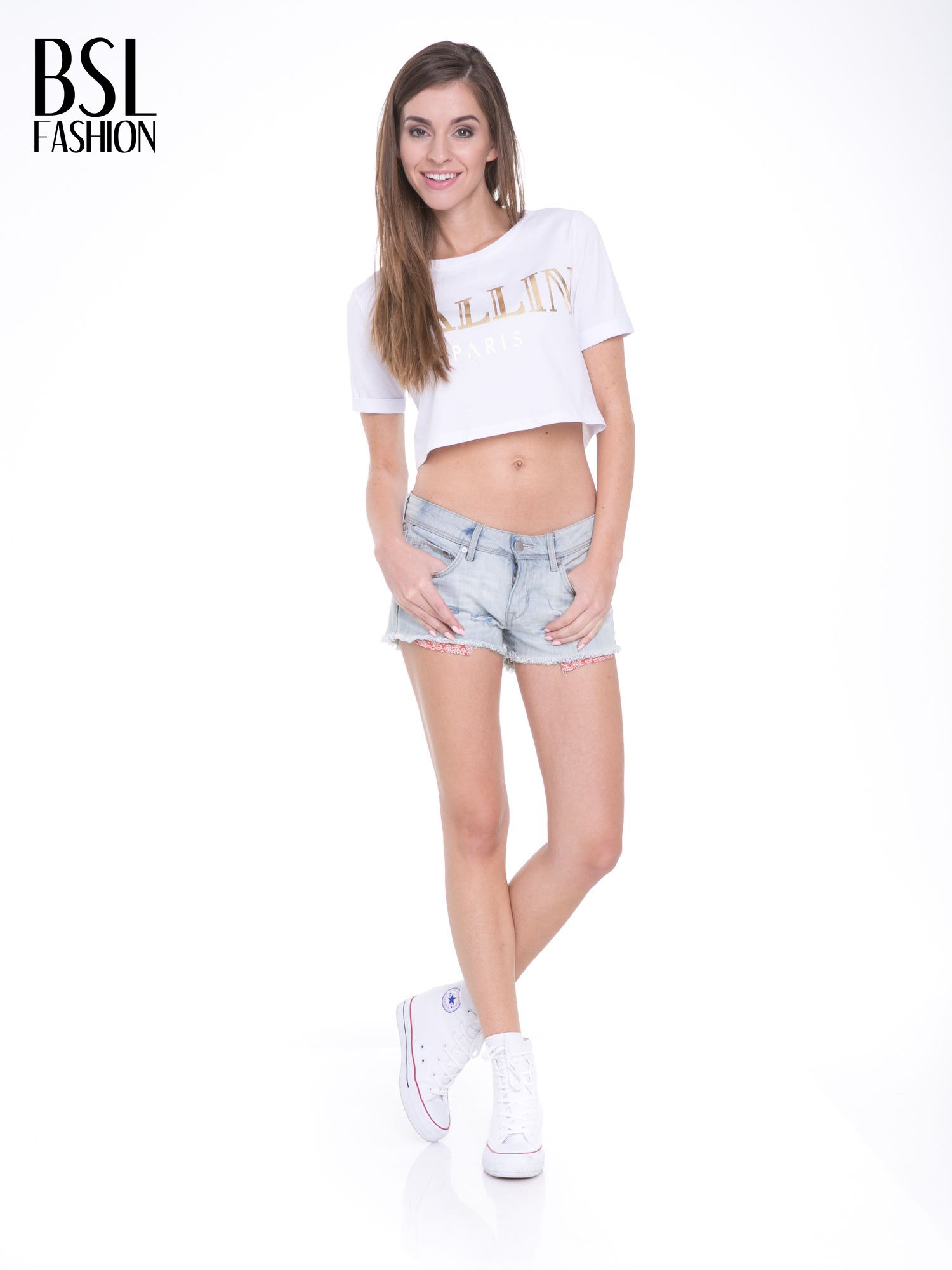Biały t-shirt typu crop top ze złotym napisem BALLIN PARIS                                  zdj.                                  5