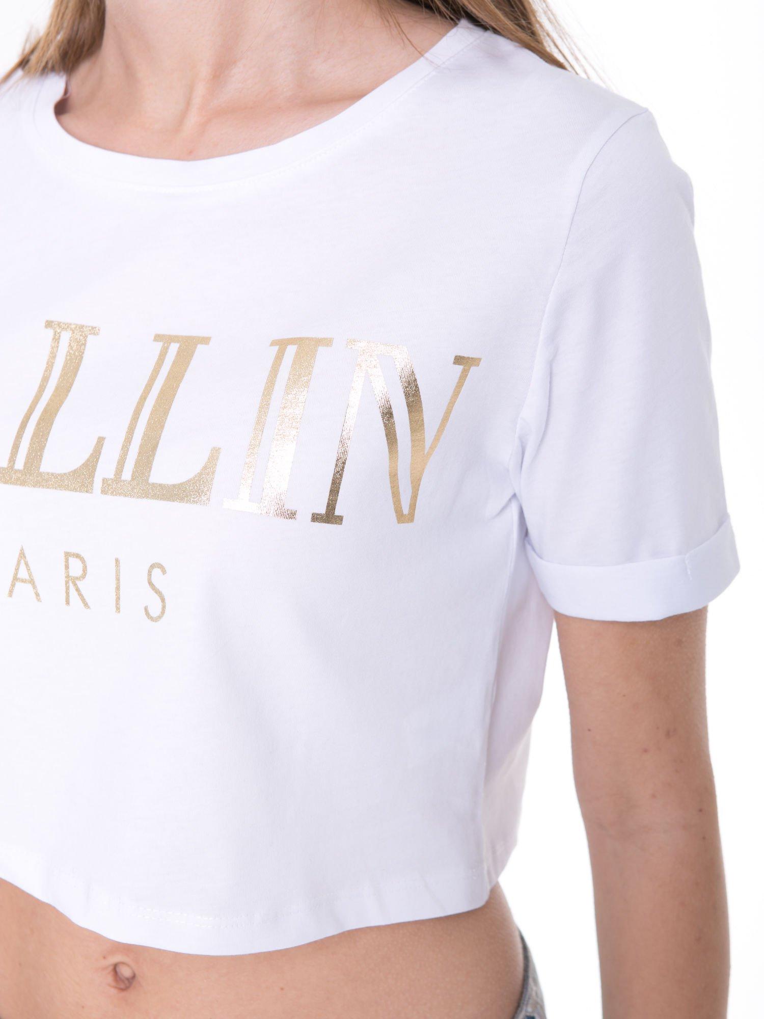 Biały t-shirt typu crop top ze złotym napisem BALLIN PARIS                                  zdj.                                  7