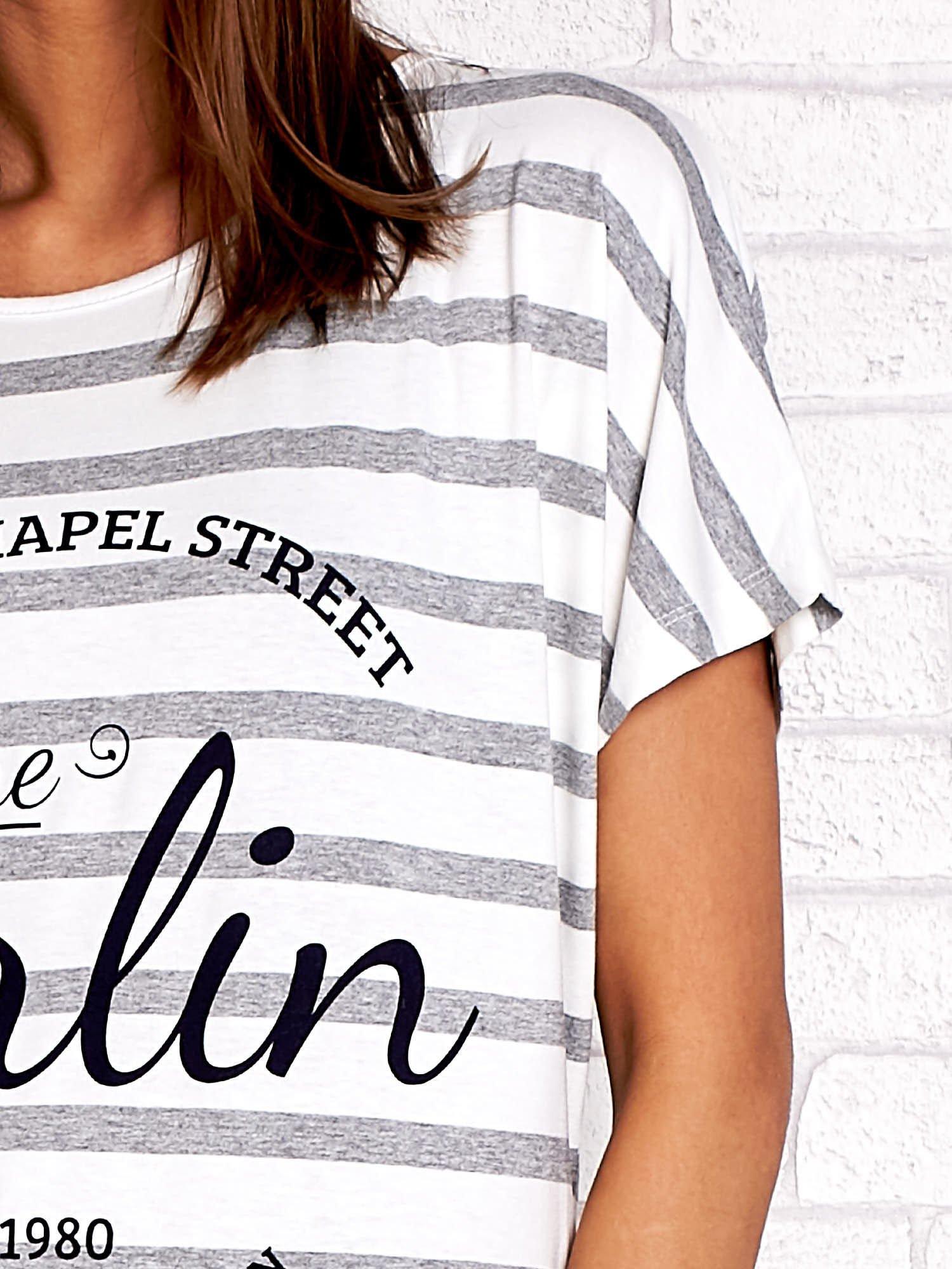 Biały t-shirt w szare paski z napisem NORTH CHAPEL STREET                                  zdj.                                  5