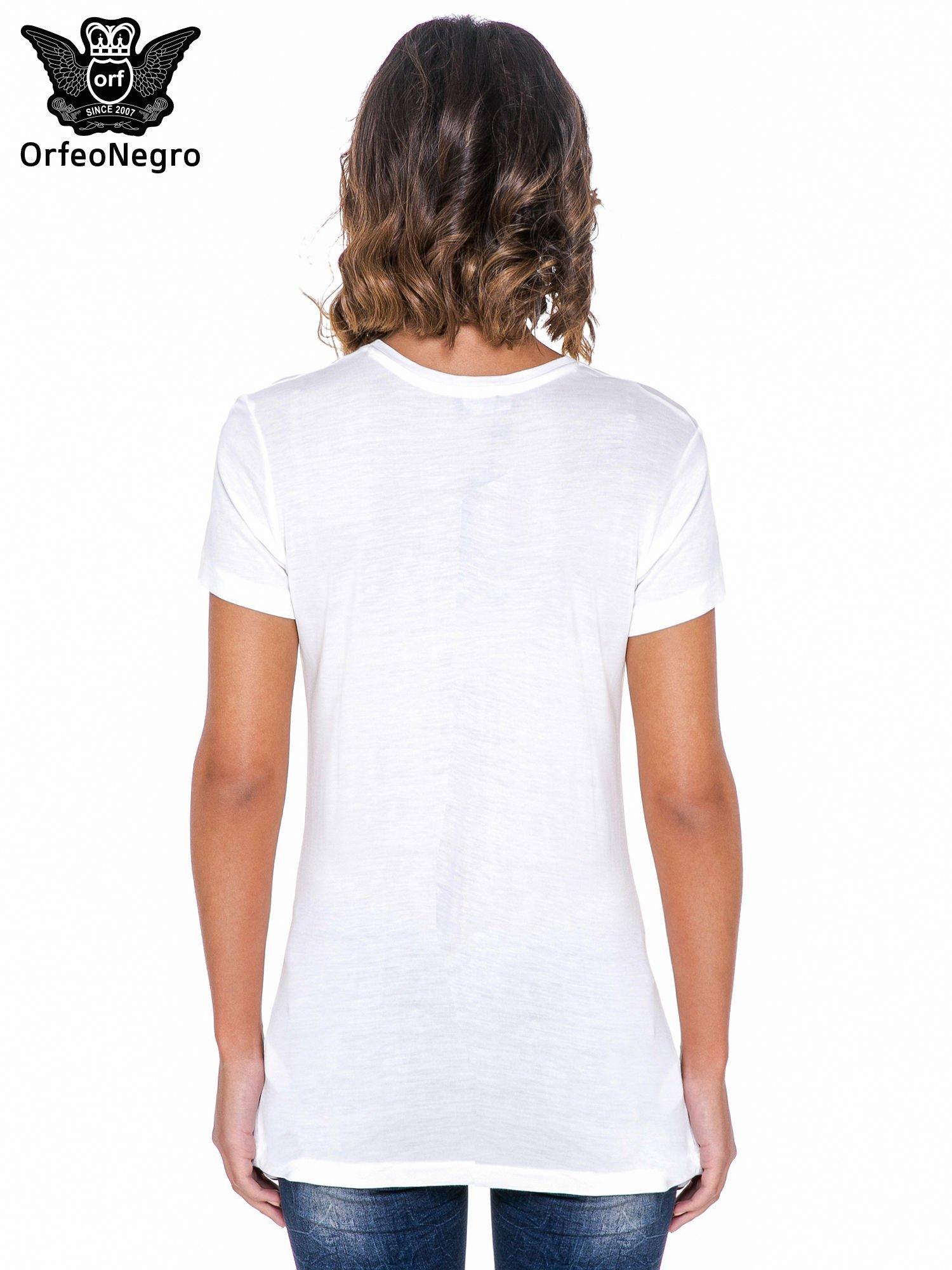 Biały t-shirt z frędzlami i napisem PERFECT IMPERFECT                                  zdj.                                  3