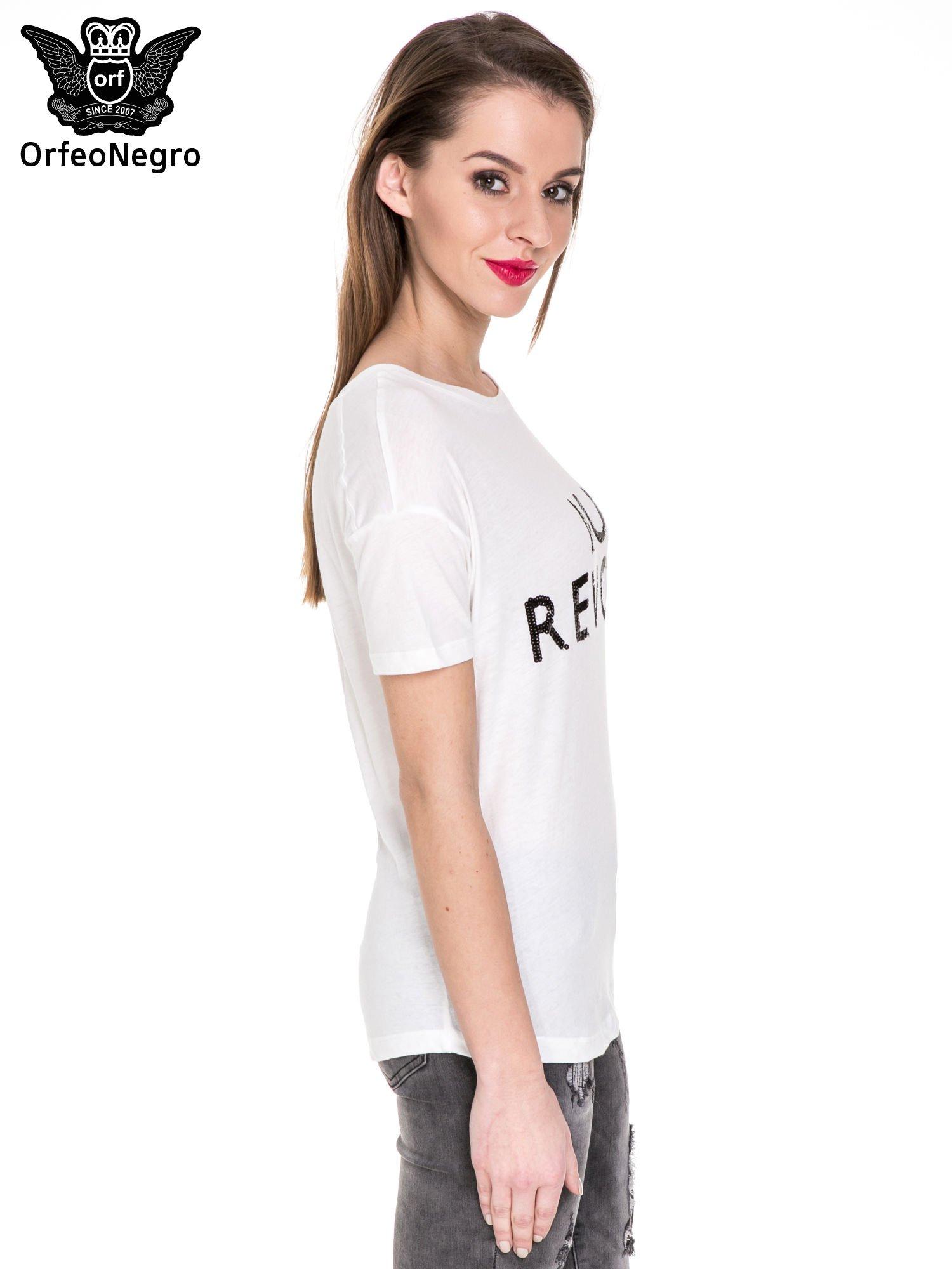 Biały t-shirt z nadrukiem AU REVOIR z cekinów                                  zdj.                                  3