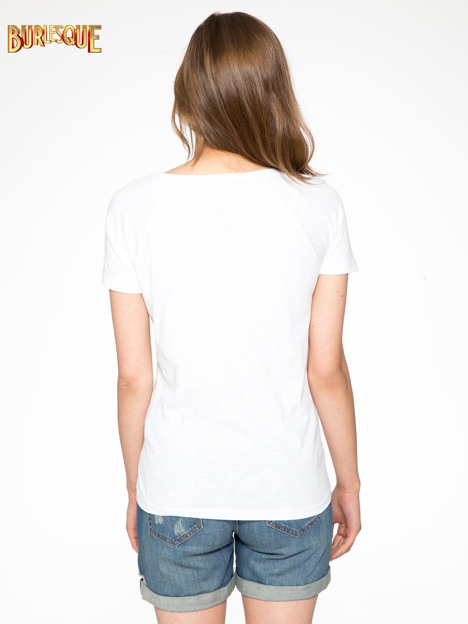 Biały t-shirt z napisem A SUNDAY                                  zdj.                                  4