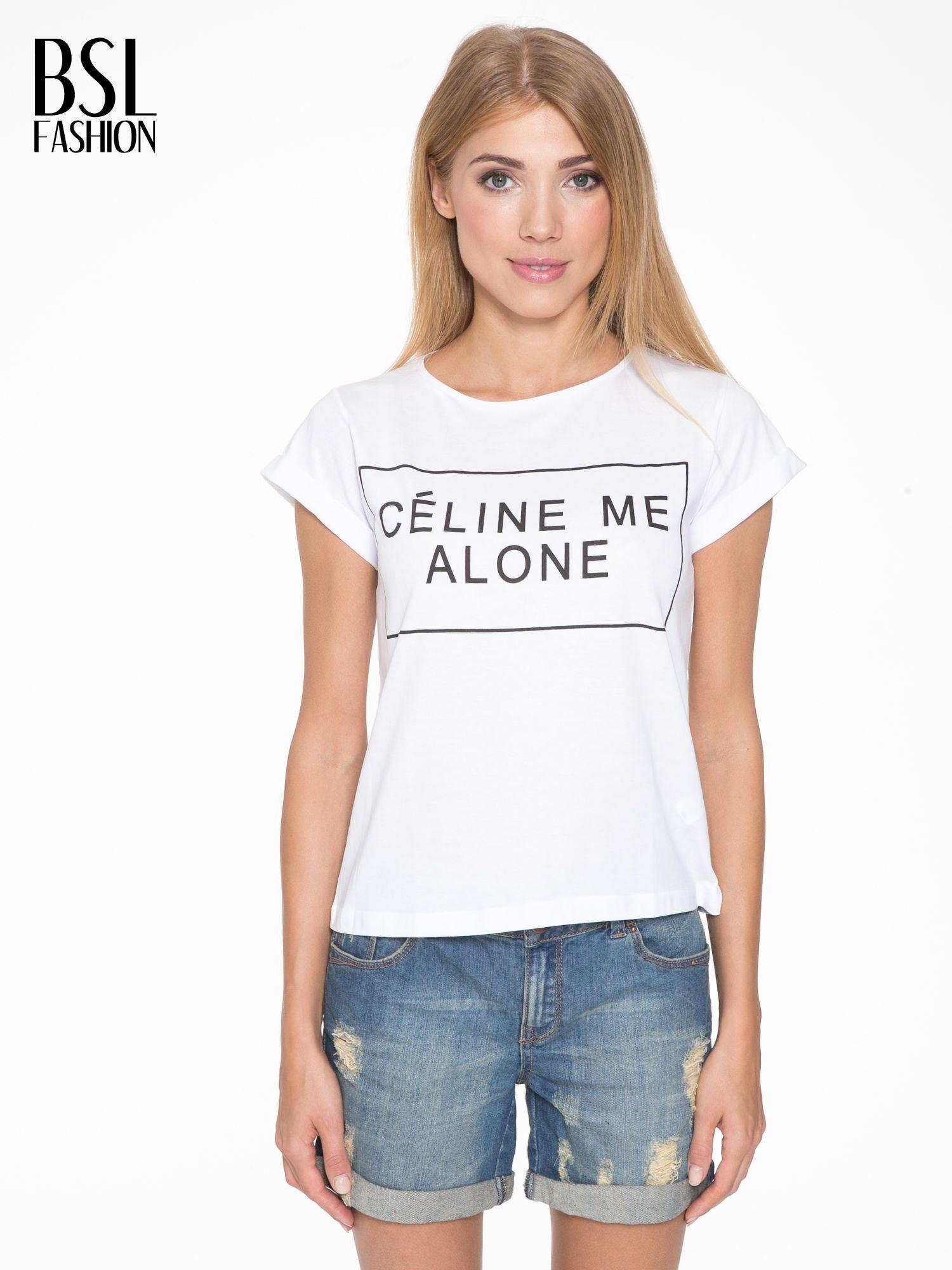 Biały t-shirt z napisem CÉLINE ME ALONE                                  zdj.                                  1