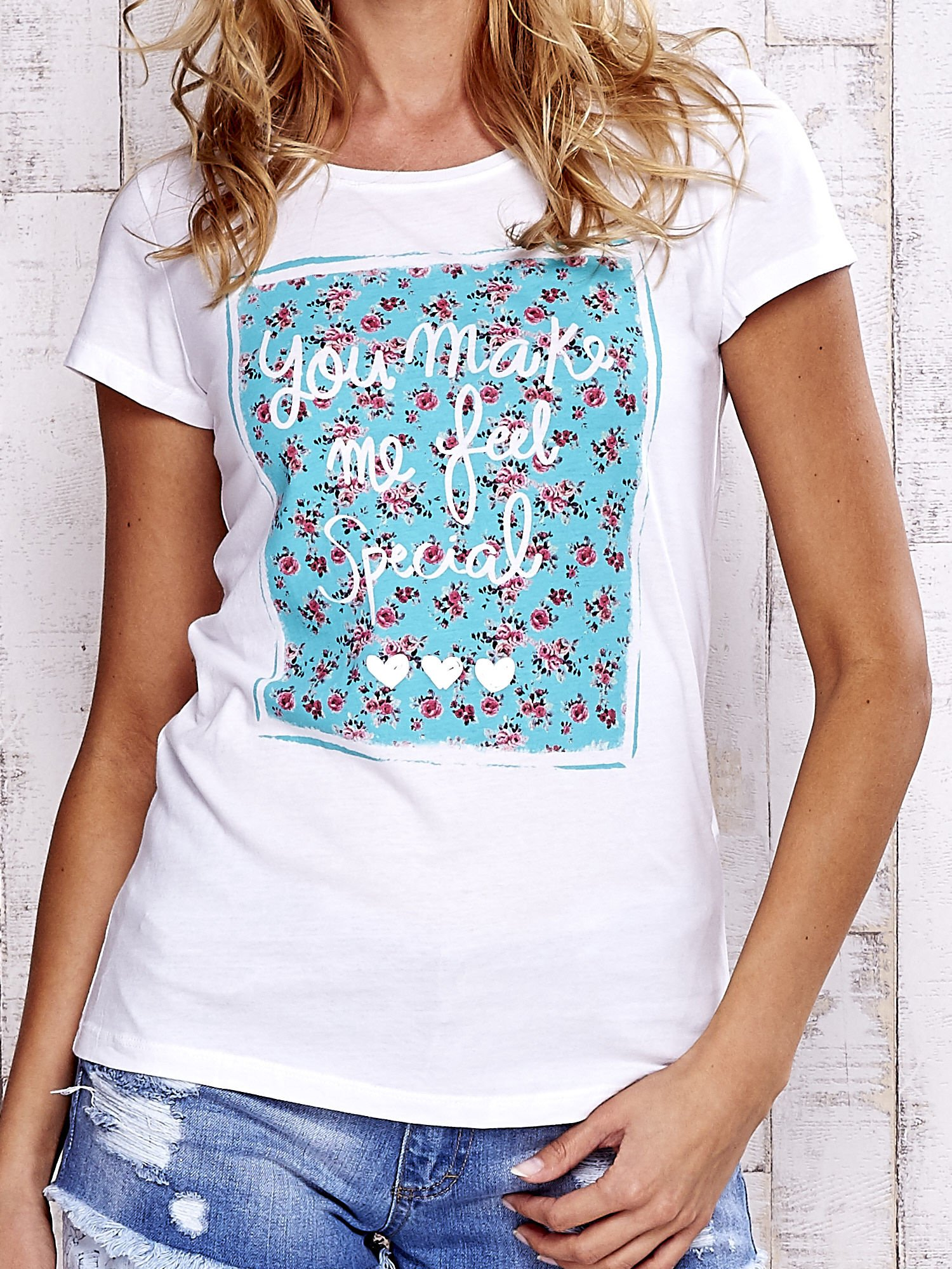 Biały t-shirt z napisem YOU MAKE ME FEEL SPECIAL                                  zdj.                                  5