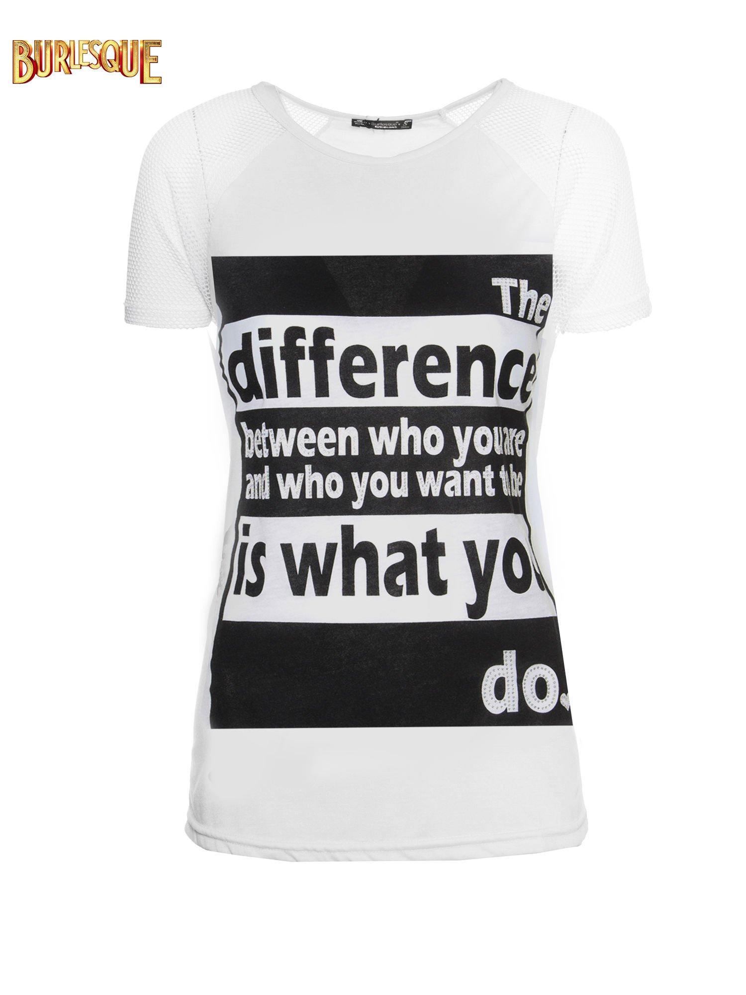 Biały t-shirt z napisem i siateczkowymi rękawami                                  zdj.                                  1