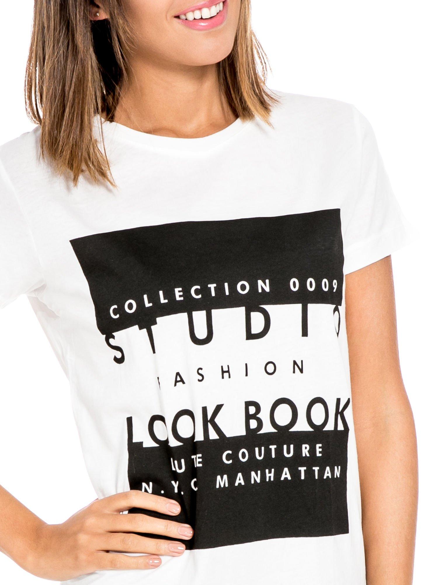 Biały t-shirt z napisem w stylu fashion                                  zdj.                                  5