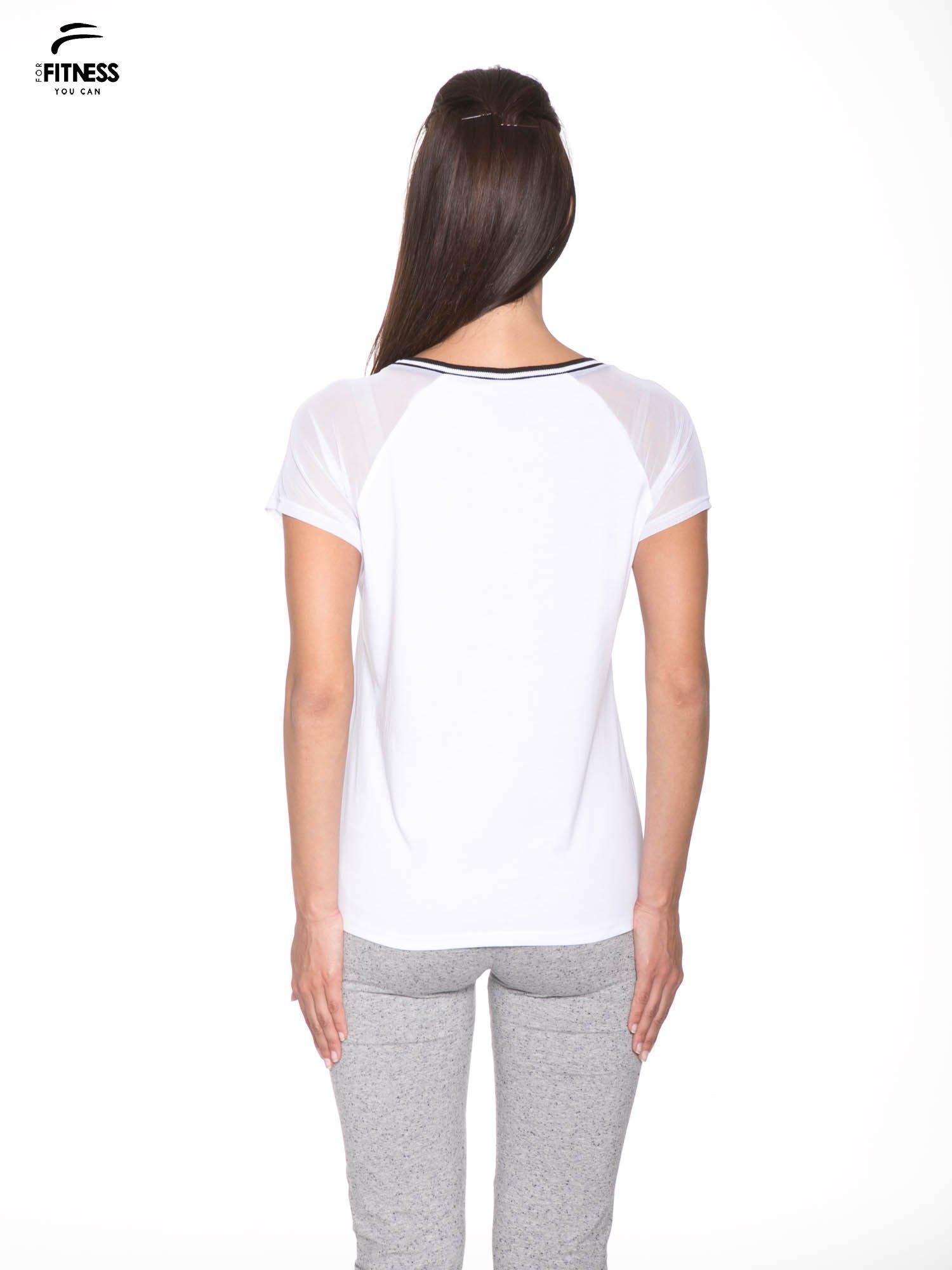Biały t-shirt z transparentnymi rękawami                                  zdj.                                  4
