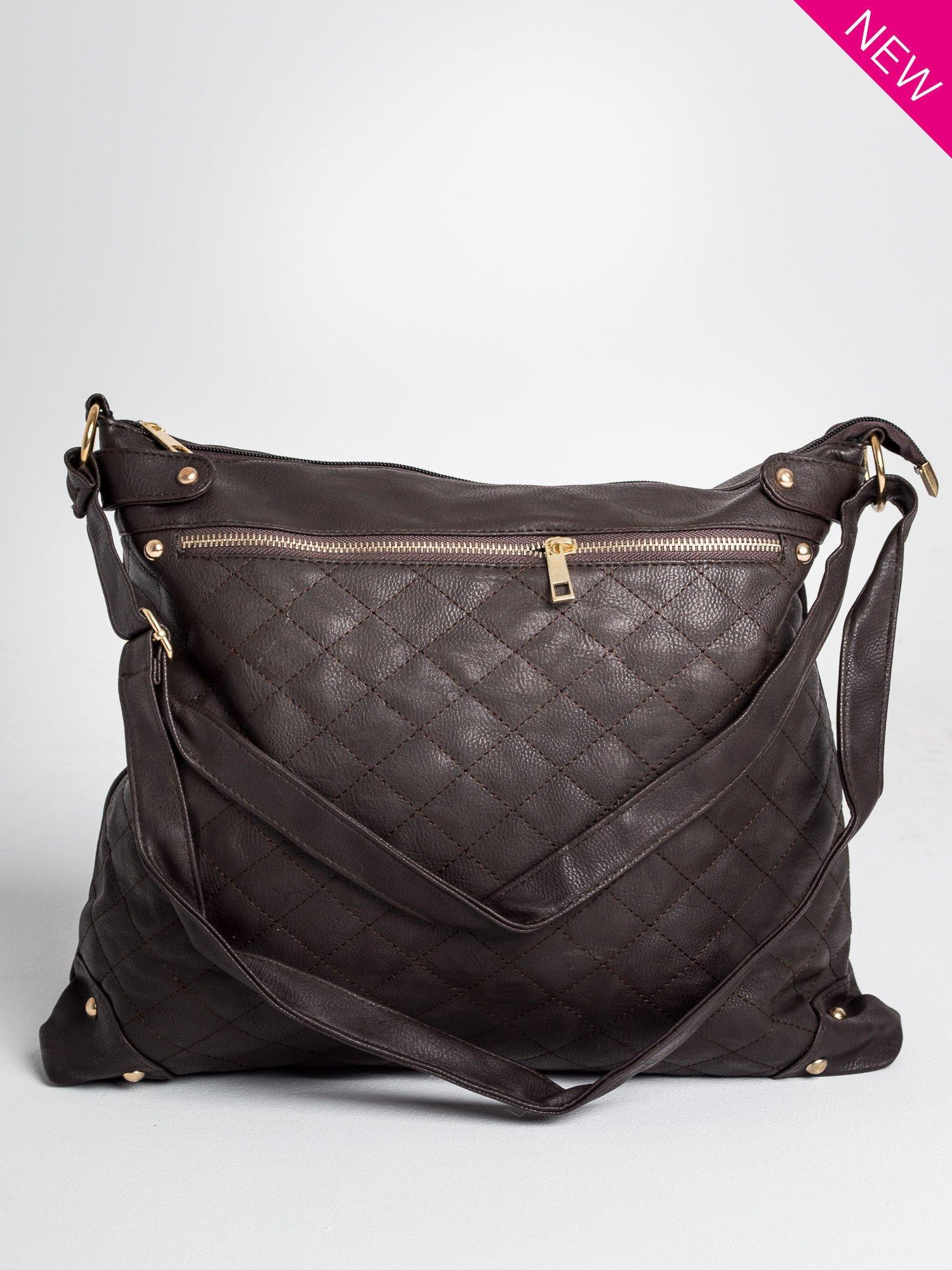 Brązowa pikowana torebka na ramię                                  zdj.                                  1