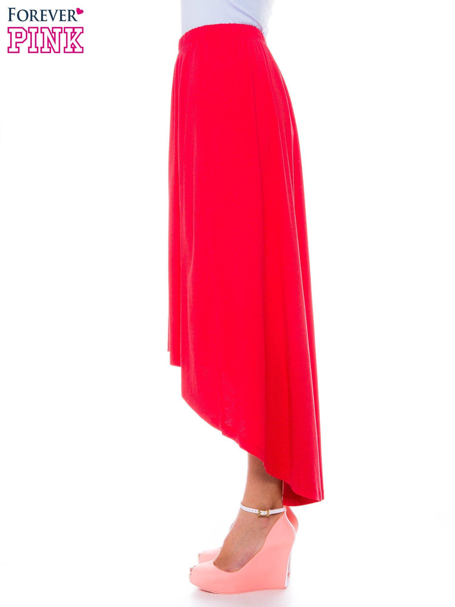 Ciemnokoralowa zwiewna spódnica z dłuższym tyłem                                  zdj.                                  2
