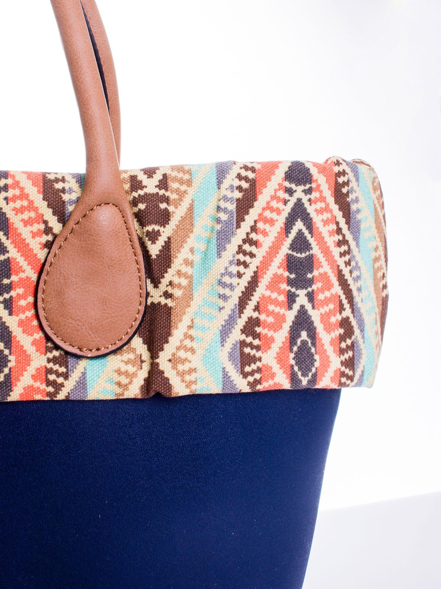 Ciemnoniebieska torba gumowa z motywem azteckim                                  zdj.                                  5