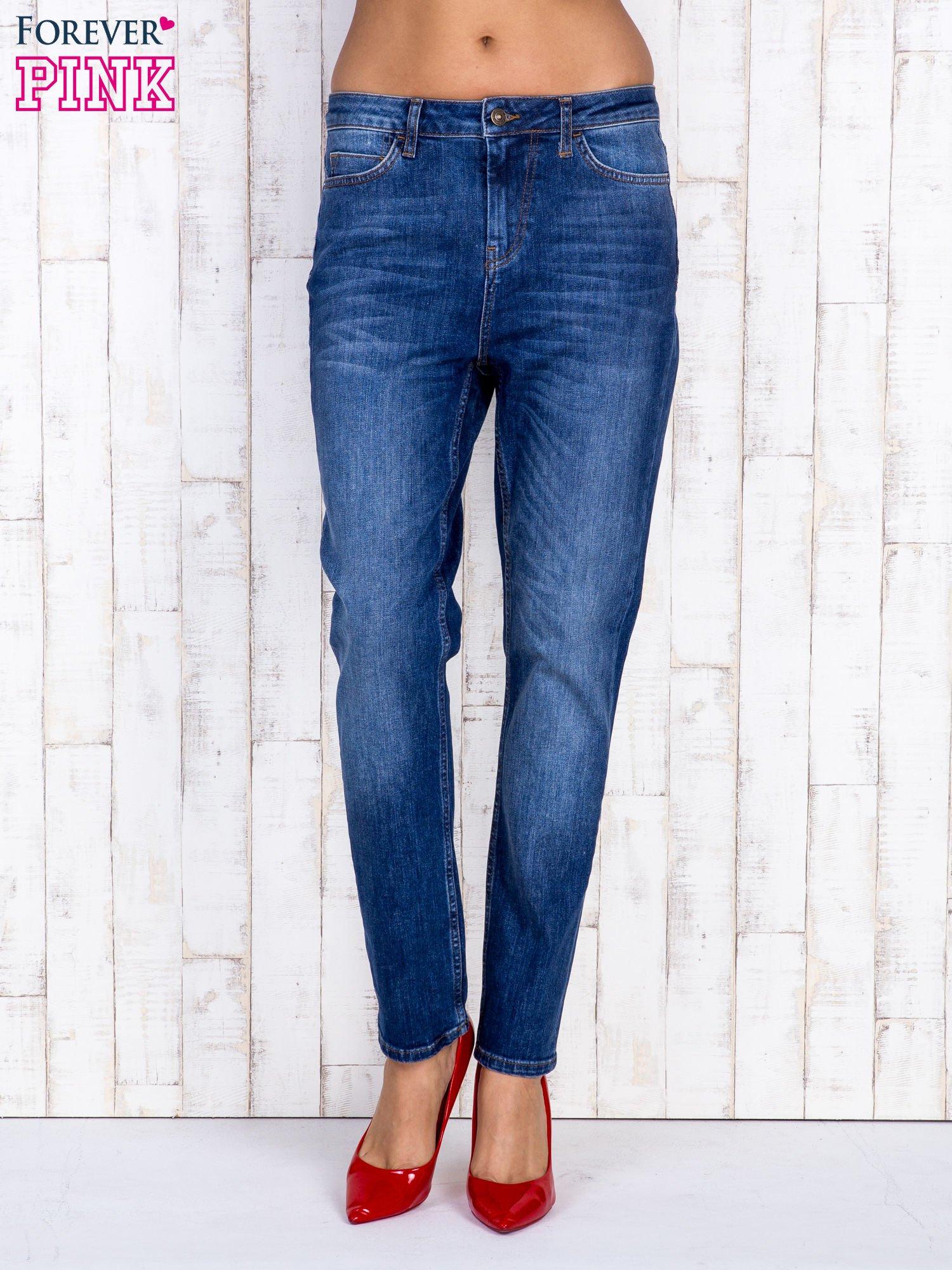 Ciemnoniebieskie spodnie jeansowe z wysokim stanem                                  zdj.                                  1