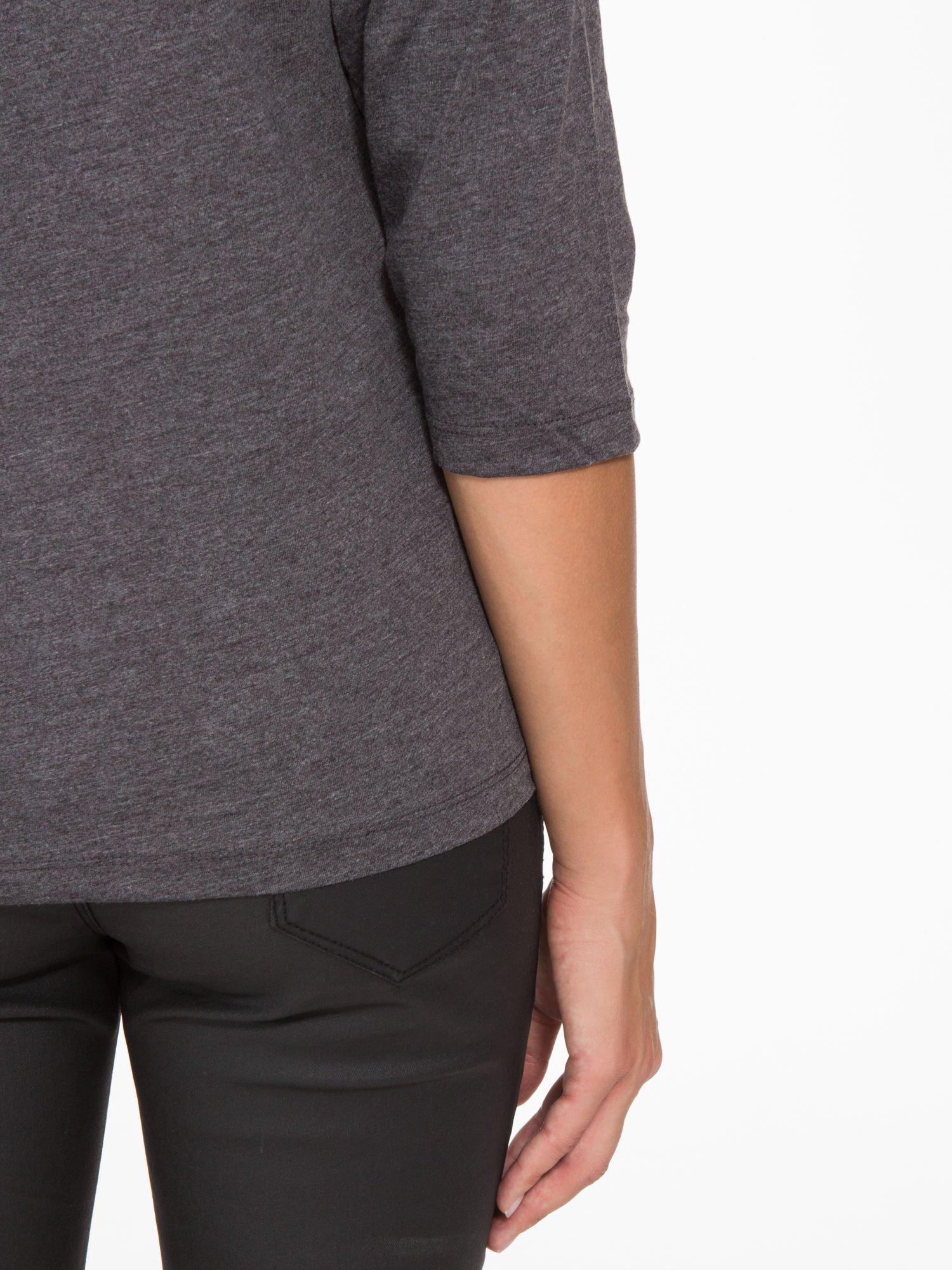 Ciemnoszara basicowa bluzka z rękawem 3/4                                  zdj.                                  8