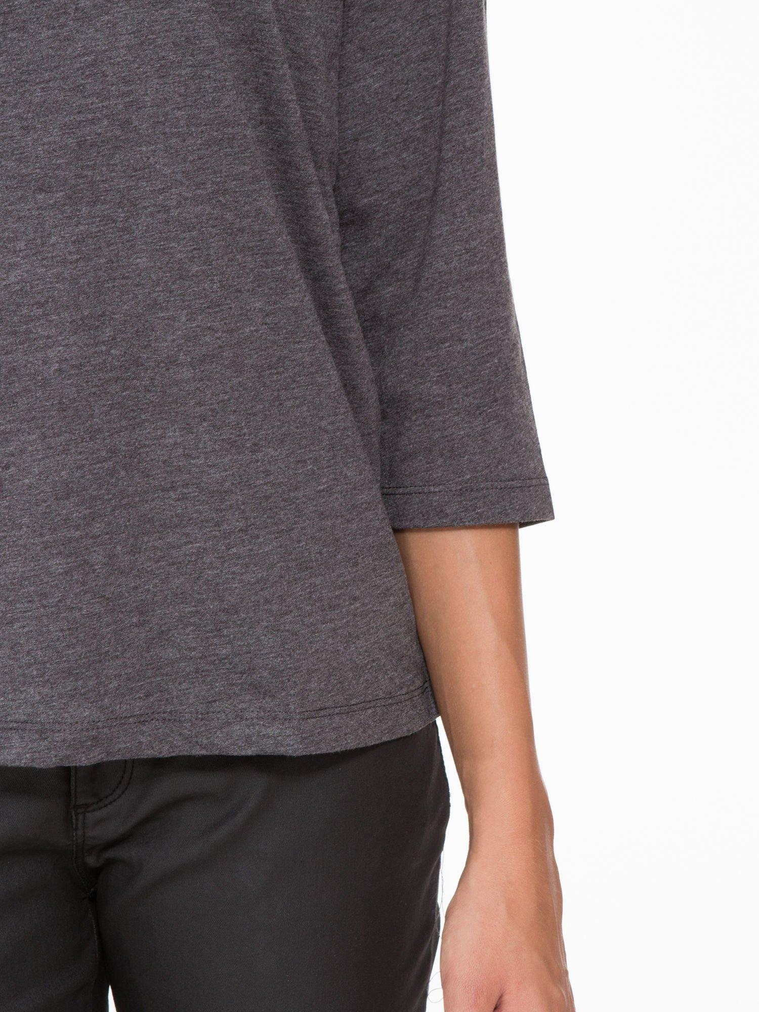Ciemnoszara basicowa bluzka z rękawem 3/4                                  zdj.                                  7