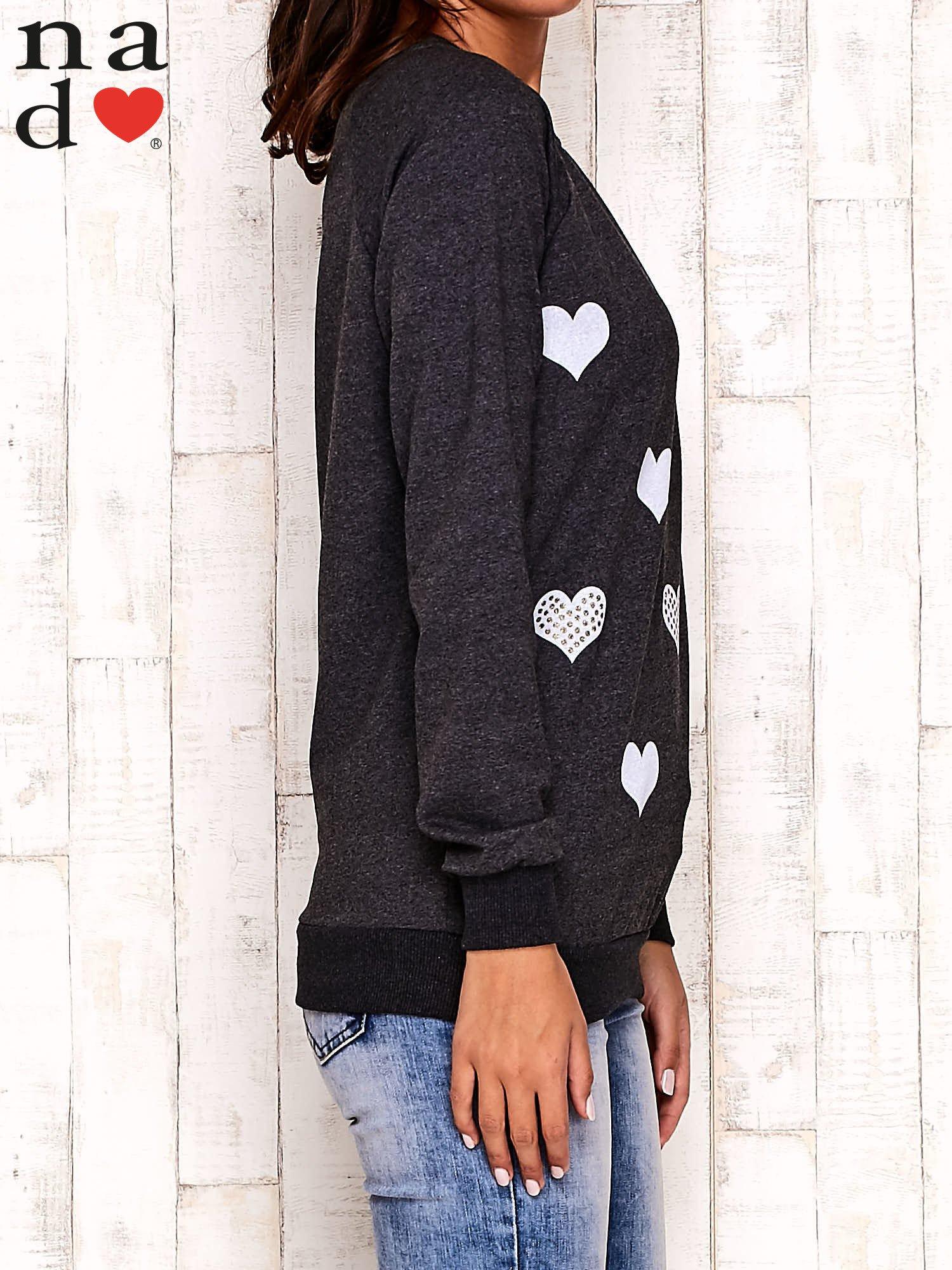 Ciemnoszara bluza z serduszkami                                  zdj.                                  3