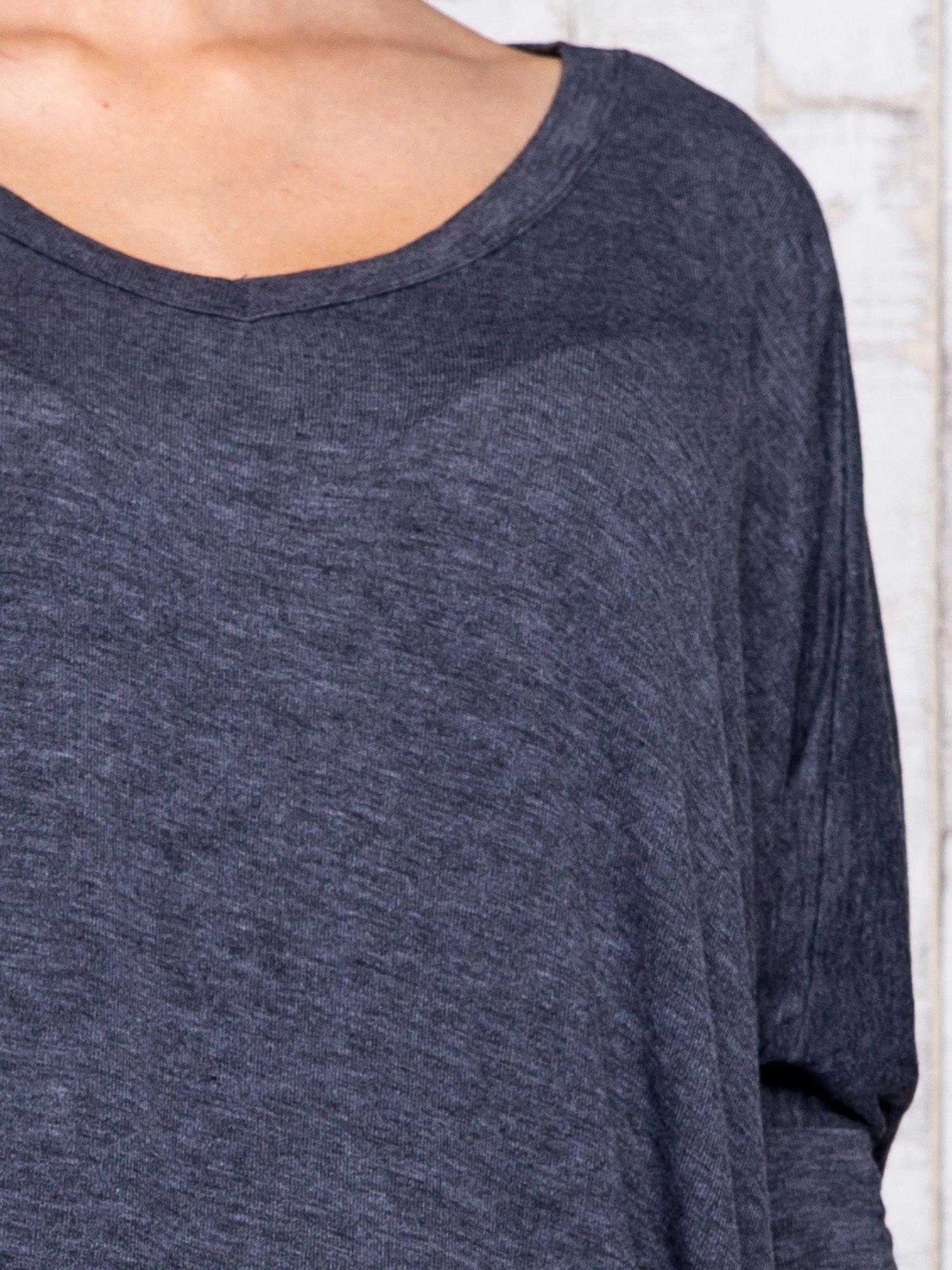 Ciemnoszara melanżowa bluzka oversize                                  zdj.                                  6