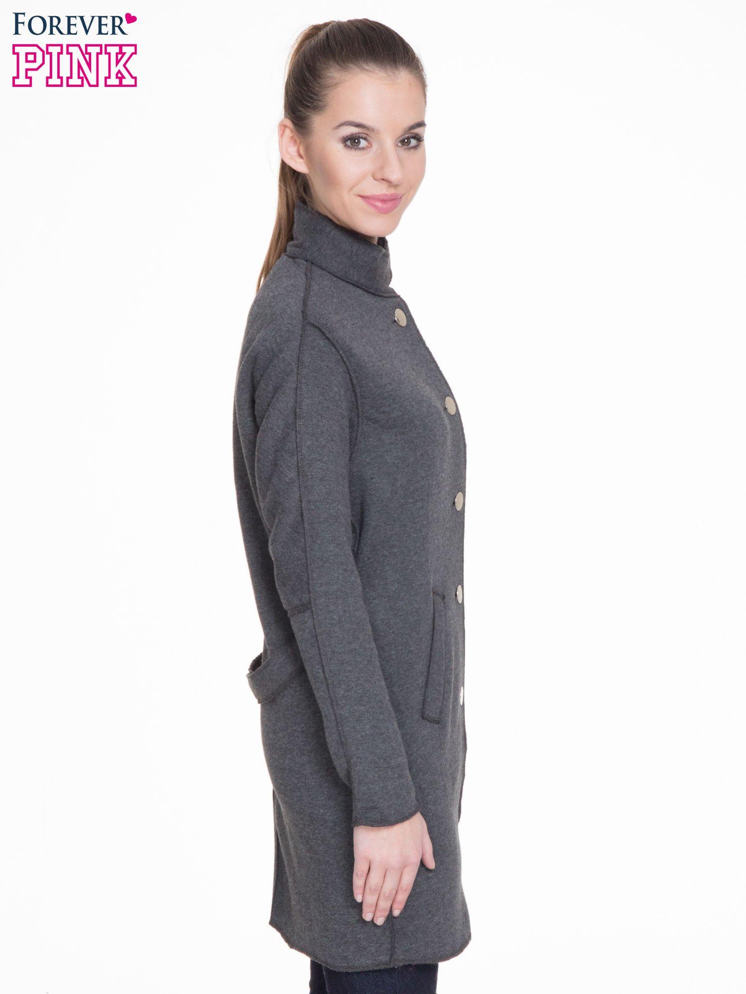 Ciemnoszary dresowy płaszcz o kroju oversize                                  zdj.                                  3